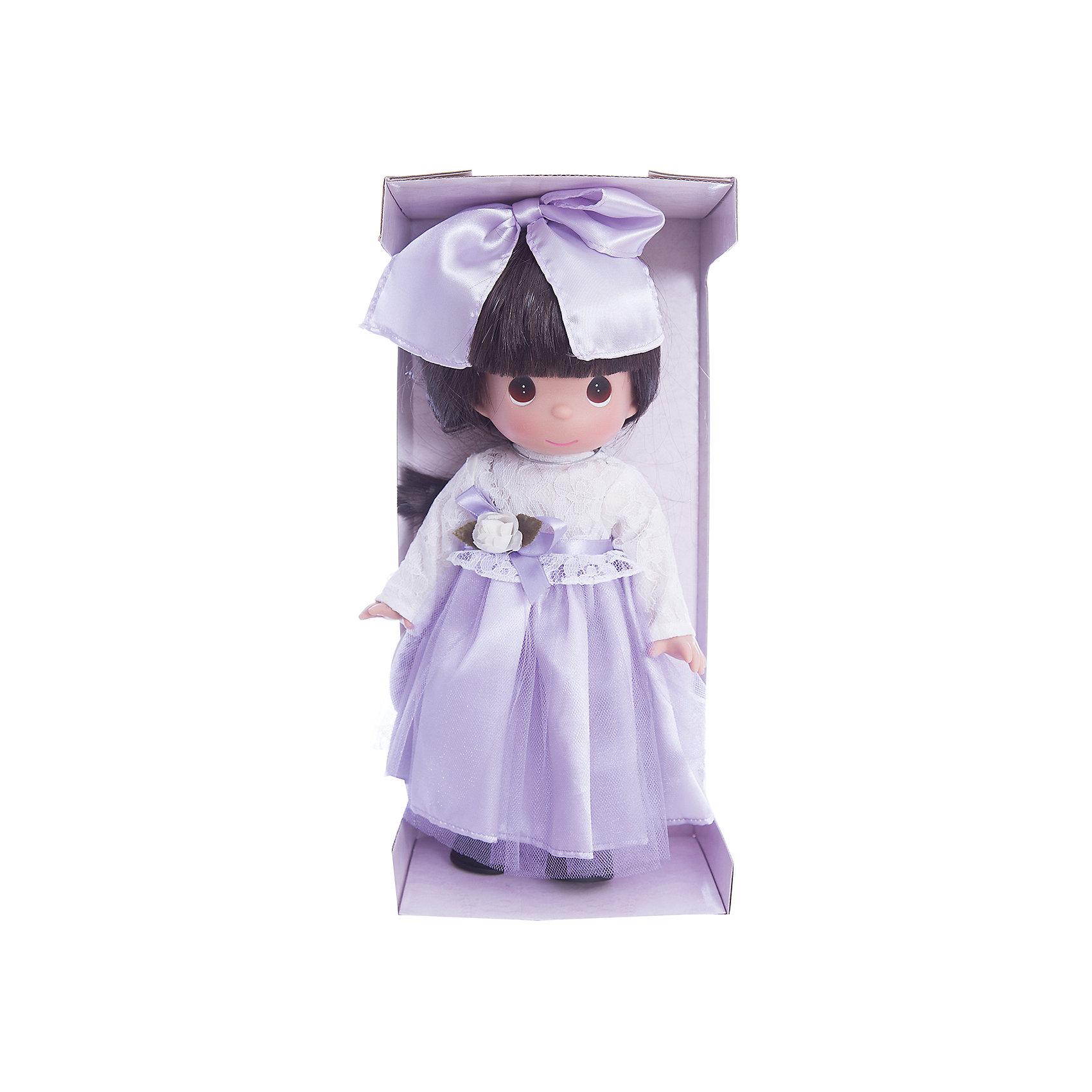 Кукла Симпатичная брюнетка в кружевах, 30 см, Precious MomentsБренды кукол<br>Характеристики товара:<br><br>• возраст: от 5 лет;<br>• материал: винил, текстиль;<br>• высота куклы: 30 см;<br>• размер упаковки: 34х16х9 см;<br>• вес упаковки: 395 гр.;<br>• страна производитель: Филиппины.<br><br>Кукла «Симпатичная брюнетка в кружевах» Precious Moments — коллекционная кукла с выразительными карими глазками и каштановыми волосами. Куколка одета в фиолетовое платье с кружевным верхом. Волосы завязаны большим бантиком.<br><br>У куклы имеются подвижные детали. Она выполнена из качественного безопасного материала.<br><br>Куклу «Симпатичная брюнетка в кружевах» Precious Moments можно приобрести в нашем интернет-магазине.<br><br>Ширина мм: 140<br>Глубина мм: 300<br>Высота мм: 80<br>Вес г: 428<br>Возраст от месяцев: 36<br>Возраст до месяцев: 2147483647<br>Пол: Женский<br>Возраст: Детский<br>SKU: 5482492