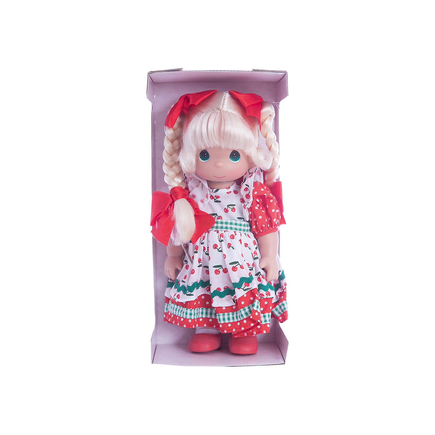 Кукла Вишневая тропинка, 30 см, Precious MomentsБренды кукол<br>Характеристики товара:<br><br>• возраст: от 5 лет;<br>• материал: винил, текстиль;<br>• высота куклы: 30 см;<br>• размер упаковки: 32х15х9 см;<br>• вес упаковки: 405 гр.;<br>• страна производитель: Филиппины.<br><br>Кукла «Вишневая тропинка» Precious Moments — коллекционная кукла с выразительными зелеными глазками и светлыми волосами, заплетенными в косички. На волосах завязаны ярко-красные бантики.<br><br>Куколка одета в разноцветное платье с принтом и красные туфельки. У куклы имеются подвижные детали. Она выполнена из качественного безопасного материала.<br><br>Куклу «Вишневая тропинка» Precious Moments можно приобрести в нашем интернет-магазине.<br><br>Ширина мм: 140<br>Глубина мм: 300<br>Высота мм: 80<br>Вес г: 428<br>Возраст от месяцев: 36<br>Возраст до месяцев: 2147483647<br>Пол: Женский<br>Возраст: Детский<br>SKU: 5482503