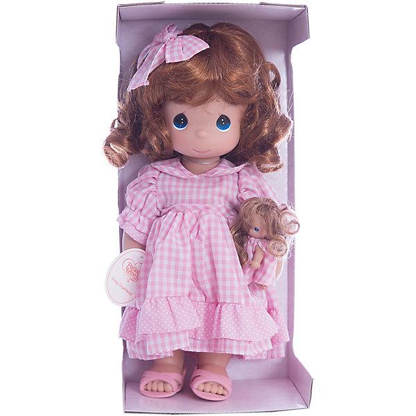 Кукла Мечты Долли, 30 см, Precious MomentsКуклы<br>Характеристики товара:<br><br>• возраст: от 5 лет;<br>• материал: винил, текстиль;<br>• высота куклы: 30 см;<br>• размер упаковки: 31х13х9 см;<br>• вес упаковки: 405 гр.;<br>• страна производитель: Филиппины.<br><br>Кукла «Мечты Долли» Precious Moments — коллекционная кукла с выразительными голубыми глазками и рыжими кудрявыми волосами, украшенными бантиком. Куколка одета в розовое платье в клетку. В руках у нее маленькая кукла. У куклы имеются подвижные детали. Она выполнена из качественного безопасного материала.<br><br>Куклу «Мечты Долли» Precious Moments можно приобрести в нашем интернет-магазине.<br><br>Ширина мм: 140<br>Глубина мм: 300<br>Высота мм: 80<br>Вес г: 428<br>Возраст от месяцев: 36<br>Возраст до месяцев: 2147483647<br>Пол: Женский<br>Возраст: Детский<br>SKU: 5482509