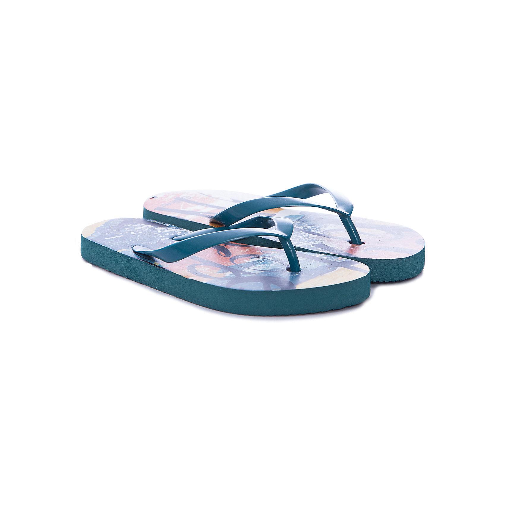 Шлепанцы для мальчика GulliverПляжная обувь<br>Пляжная обувь - вещь, совершенно необходимая для отдыха у воды. Мягкие резиновые тапочки-вьетнамки для мальчика надежно защитят ногу ребенка от мелкой гальки и горячего песка. Если вы решили купить ребенку пляжную обувь, обратите внимание на эту модель! Оригинальный принт из коллекции Пикассо вызовет искреннее одобрение у юного модника и подарит отличное настроение на весь день!<br>Состав:<br>верх: PVC;                                  подошва:EVA<br><br>Ширина мм: 248<br>Глубина мм: 135<br>Высота мм: 147<br>Вес г: 256<br>Цвет: белый<br>Возраст от месяцев: 144<br>Возраст до месяцев: 156<br>Пол: Мужской<br>Возраст: Детский<br>Размер: 36,30,31,32,33,34,35<br>SKU: 5482886