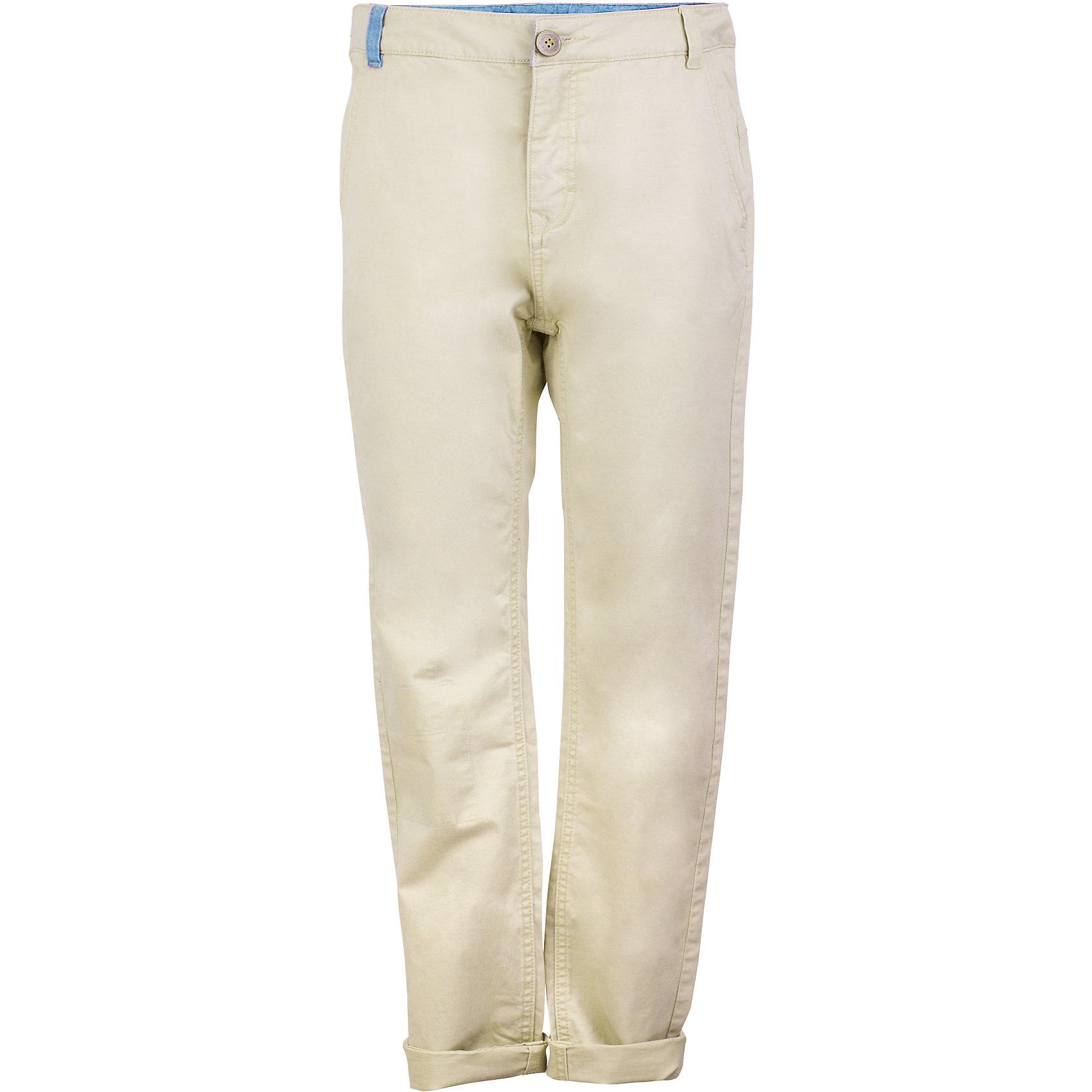 Брюки для мальчика GulliverБрюки<br>Шикарный вариант для весны и лета - модные бежевые брюки для мальчика! Благородный цвет, современный крой, правильная посадка изделия на фигуре делают брюки ярким элементом образа. С любой футболкой, рубашкой, пиджаком, они составят отличный комплект - модный и элегантный. Если вы хотите купить подростку светлые брюки, обратите внимание на эту модель. Они сделают летний гардероб ребенка свежим и стильным.<br>Состав:<br>98% хлопок      2% эластан<br><br>Ширина мм: 215<br>Глубина мм: 88<br>Высота мм: 191<br>Вес г: 336<br>Цвет: бежевый<br>Возраст от месяцев: 156<br>Возраст до месяцев: 168<br>Пол: Мужской<br>Возраст: Детский<br>Размер: 164,146,152,158<br>SKU: 5483234