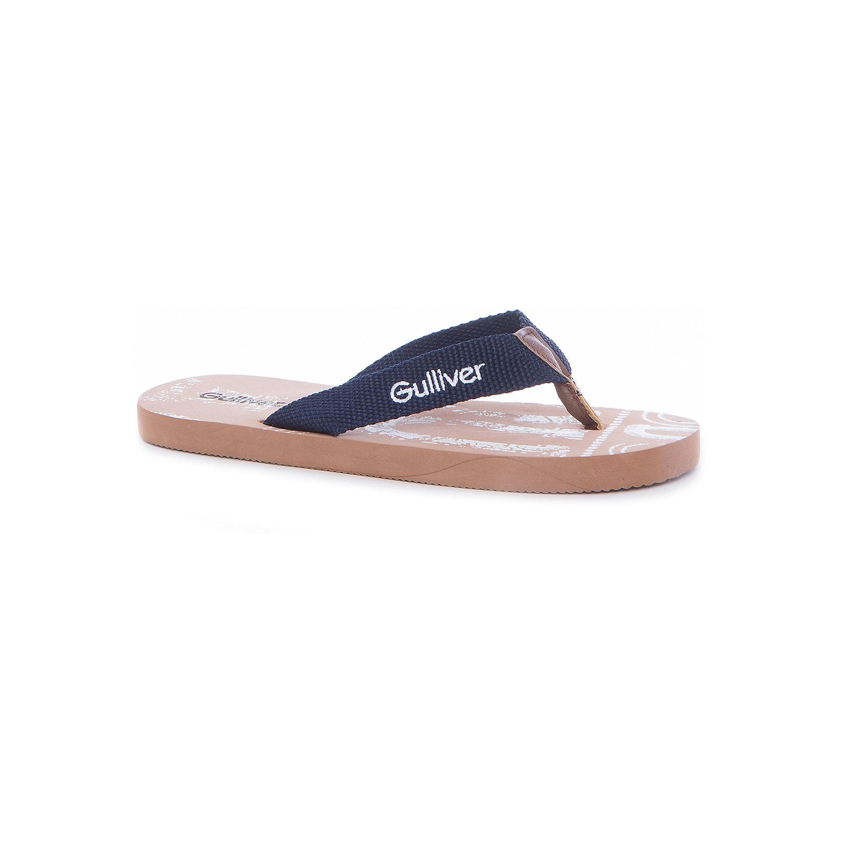 Пантолеты для мальчика GulliverПляжная обувь - вещь, совершенно необходимая для отдыха у воды. Мягкие резиновые шлепанцы и-вьетнамки для мальчика надежно защитят ногу от мелкой гальки и горячего песка, а также станут ярким запоминающимся элементом пляжного ансамбля. Если вы решили купить подростку пляжную обувь, обратите внимания на эти вьетнамки. Ребенок наверняка оценит стильный принт и отделку из коллекции Гавана-клуб.<br>Состав:<br>верх: текстиль;            подошва:EVA<br><br>Ширина мм: 248<br>Глубина мм: 135<br>Высота мм: 147<br>Вес г: 256<br>Цвет: синий<br>Возраст от месяцев: 168<br>Возраст до месяцев: 1188<br>Пол: Мужской<br>Возраст: Детский<br>Размер: 40,36,37,38,39<br>SKU: 5483251