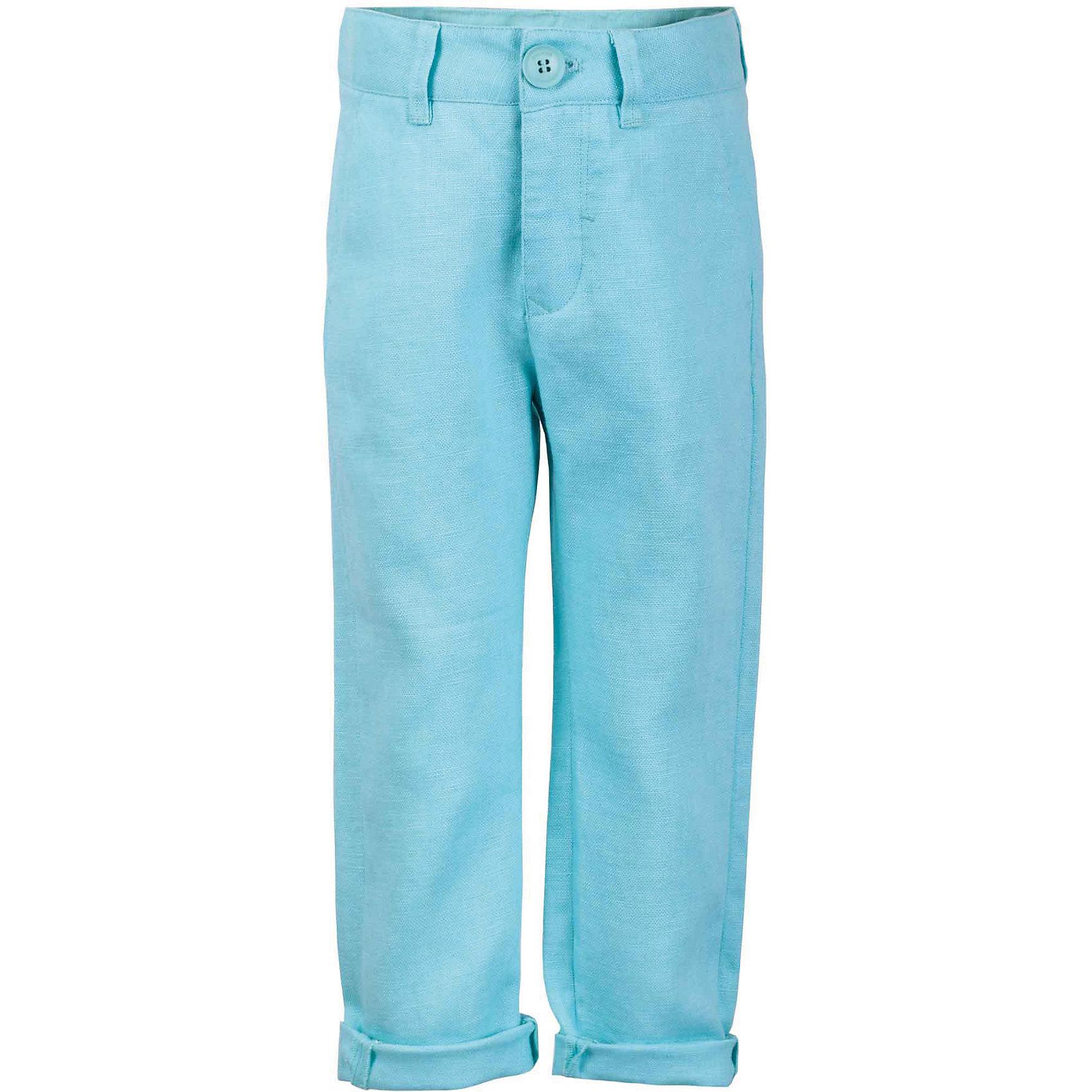 Брюки для мальчика GulliverБрюки<br>Несмотря на то, что джинсы по-прежнему занимают в гардеробе ребенка первое место, классические брюки для мальчика никто не отменял! Походы в театр, в гости, на важные и торжественные мероприятия предполагают на ребенке особый look. Модные светлые брюки в сочетании со стильной рубашкой, джемпером, пиджаком или жилетом - и ваш ребенок будет неотразим! Натуральный лен с характерными элегантными заминами придает модели особый шарм. Ментоловый цвет выглядит нарядно, благородно, изысканно!<br>Состав:<br>100% лён<br><br>Ширина мм: 215<br>Глубина мм: 88<br>Высота мм: 191<br>Вес г: 336<br>Цвет: голубой<br>Возраст от месяцев: 108<br>Возраст до месяцев: 120<br>Пол: Мужской<br>Возраст: Детский<br>Размер: 140,122,128,134<br>SKU: 5483325