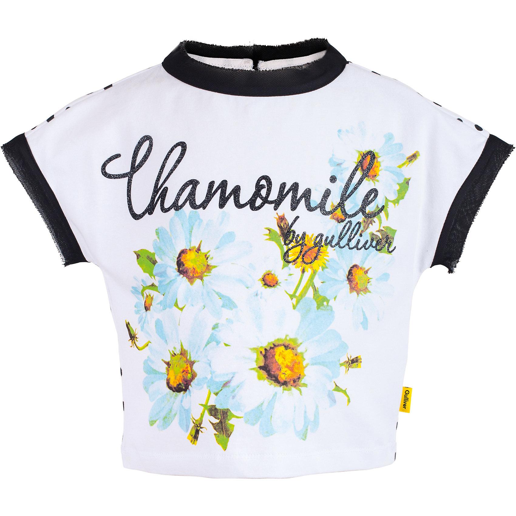 Футболка для девочки GulliverФутболки, поло и топы<br>Белая футболка для девочки из коллекции Ромашка - лучший пример футболки с рисунком. Модный свободный силуэт, комбинация глади и горошка, а также оригинальный шрифтовой декор, выполненный в технике принта с сияющей алмазной крошкой, делают изделие новым и выразительным. Если вы хотите освежить летний гардероб юной модницы, добавив в него новизну и оригинальность, вам стоит купить футболку из коллекции Ромашка. Она подарит вашему ребенку массу положительных эмоций и сделает ее образ запоминающимся.<br>Состав:<br>95% хлопок      5% эластан<br><br>Ширина мм: 199<br>Глубина мм: 10<br>Высота мм: 161<br>Вес г: 151<br>Цвет: белый<br>Возраст от месяцев: 24<br>Возраст до месяцев: 36<br>Пол: Женский<br>Возраст: Детский<br>Размер: 98,104,110,116<br>SKU: 5483534