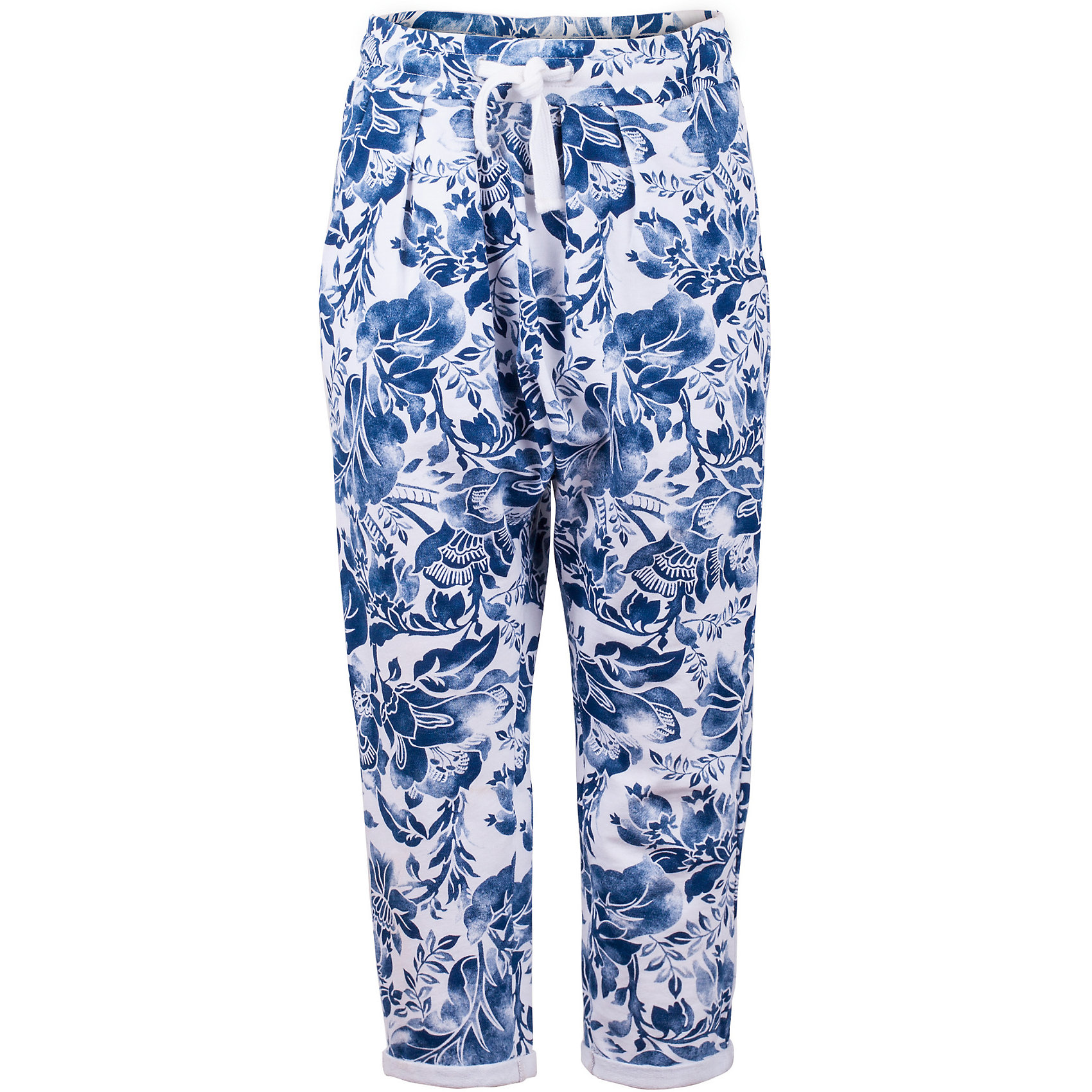 Брюки для девочки GulliverБрюки<br>Что может быть лучше трикотажных брюк? Только трикотажные брюки из яркого орнаментального футера! Оригинальный крой с заниженной линией слонки, свободная форма, пояс на резинке с утяжкой из мягкого шнура делают брюки очень удобными и комфортными. Если вы хотите купить стильные детские брюки с рисунком для прогулок, отдыха и домашнего времяпрепровождения, эта модель - отличный выбор!<br>Состав:<br>95% хлопок      5% эластан<br><br>Ширина мм: 215<br>Глубина мм: 88<br>Высота мм: 191<br>Вес г: 336<br>Цвет: белый<br>Возраст от месяцев: 108<br>Возраст до месяцев: 120<br>Пол: Женский<br>Возраст: Детский<br>Размер: 140,122,128,134<br>SKU: 5484031