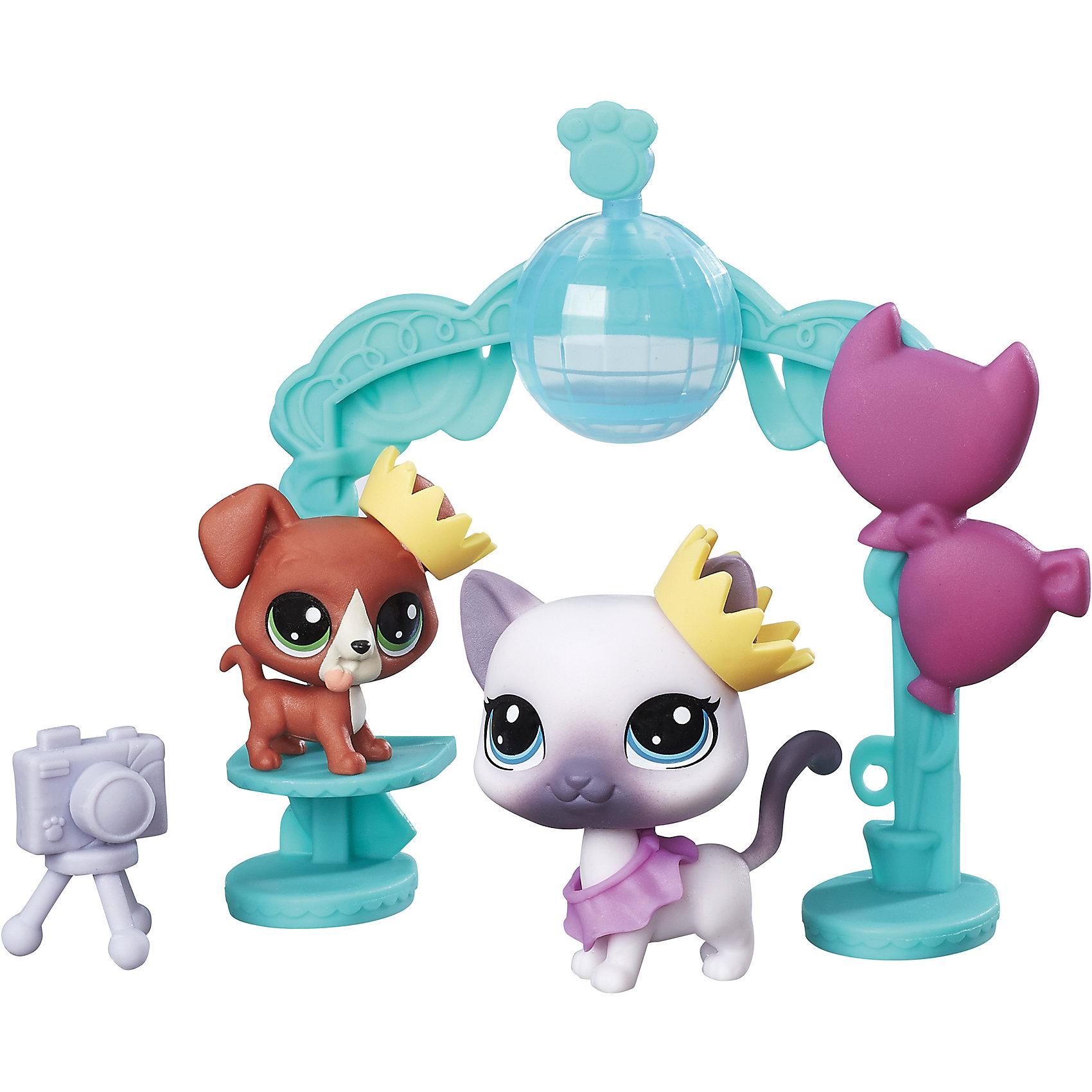 Набор Чудесные приключения, Littlest Pet Shop, B9347/С0047Популярные игрушки<br>Характеристики:<br><br>• Материал: пластик<br>• Комплектация: 2 фигурки животных, школьный танцпол, аксессуары<br>• Вес в упаковке: 121 г<br>• Размеры упаковки (Г*Ш*В): 4,4*19,1*19,1 см<br><br>Набор Чудесные приключения, Littlest Pet Shop, B9347/С0047 – это набор из популярнейшей серии от мирового лидера игрушек Hasbro. Комплект состоит из школьного танцпола в виде празднично украшенной арки, 2-х фигурок животных и аксессуаров. Все детали набора выполнены из прочного твердого пластика, устойчивого к механическим повреждениям, окрашены яркими нетоксичными красками, которые не выгорают на солнце и не меняют свой цвет даже при длительном использовании.<br><br>Набор Чудесные приключения, Littlest Pet Shop, B9347/С0047 можно купить в нашем интернет-магазине.<br><br>Ширина мм: 44<br>Глубина мм: 191<br>Высота мм: 191<br>Вес г: 121<br>Возраст от месяцев: 48<br>Возраст до месяцев: 2147483647<br>Пол: Женский<br>Возраст: Детский<br>SKU: 5488316