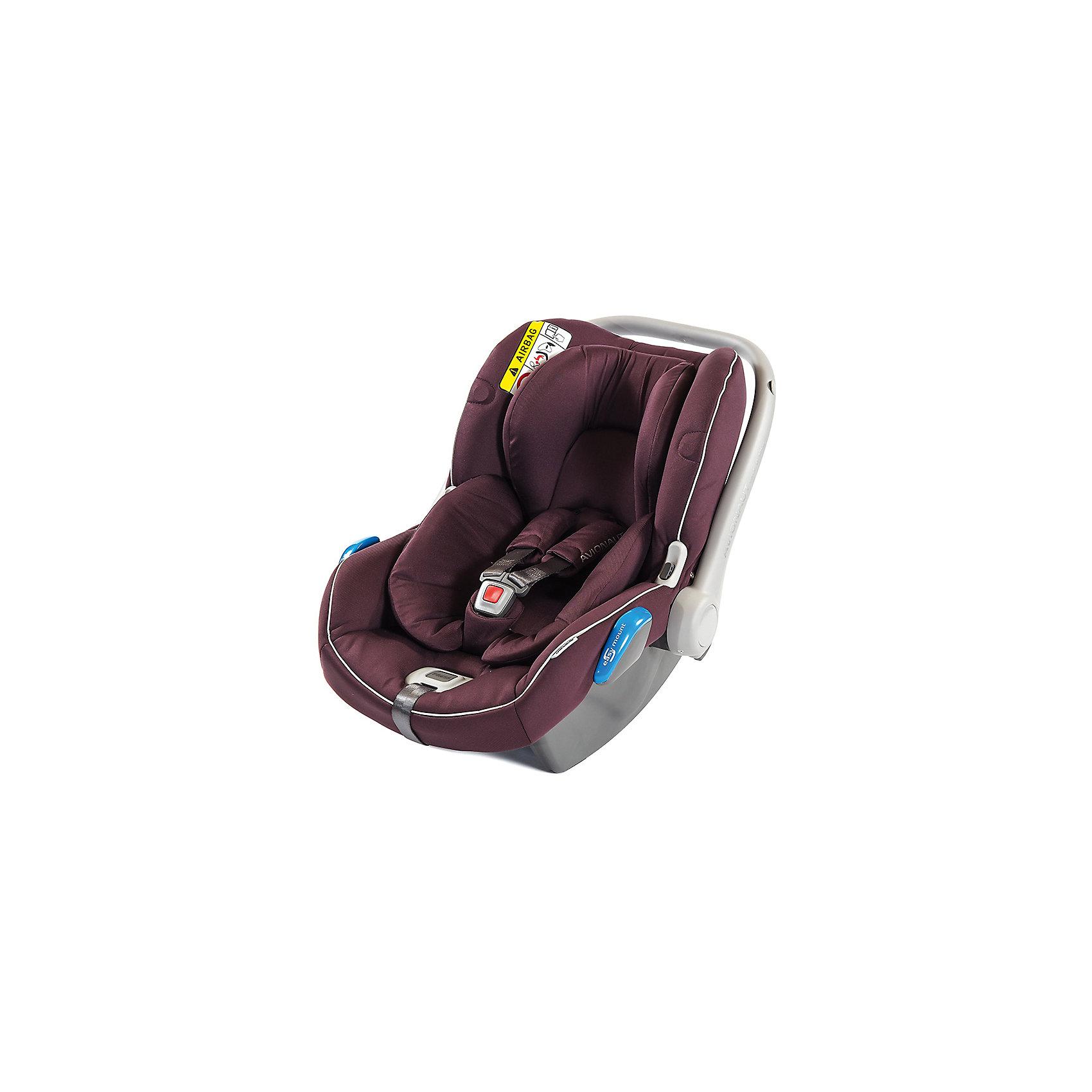 Автокресло Avionaut KITE, 0-13 кг, бордовый/бордовыйГруппа 0+ (До 13 кг)<br>Характеристики товара:<br><br>• группа автокресла: 0-0+;<br>• возраст: с рождения до 1 года;<br>• вес ребенка: 0-13 кг;<br>• материал: пластик, полиэстер;<br>• 3-х точечные ремни безопасности;<br>• установка автокресла: против хода движения;<br>• способ крепления: штатными ремнями автомобиля;<br>• размер автокресла: 62х55х43 см;<br>• вес автокресла: 3,25 кг;<br>• размер упаковки: 70х45х25 см;<br>• вес упаковки: 3,4 кг;<br>• страна производитель: Польша.<br><br>Автокресло Avionaut Kite бордовое обеспечивает безопасную перевозку в машине малыша с самого рождения. Оно устанавливается только против движения автомобиля для достижения наилучшей защиты позвоночника, головы и шеи при ударе. Крепится штатными ремнями автомобиля, но также может фиксироваться при помощи креплений Isofix или на специальную базу Dock.<br><br>Для самых маленьких предусмотрен анатомический вкладыш, поддерживающий спину ребенка. Автокресло выполнено из полистирола, способного поглощать основную энергию удара при столкновении. Кресло оснащено регулируемой ручкой для переноски и козырьком для защиты от солнца. Универсальный адаптер позволяет устанавливать кресло на шасси колясок.<br><br>Автокресло Avionaut Kite бордовое можно приобрести в нашем интернет-магазине.<br><br>Ширина мм: 700<br>Глубина мм: 450<br>Высота мм: 250<br>Вес г: 3250<br>Возраст от месяцев: -2147483648<br>Возраст до месяцев: 2147483647<br>Пол: Унисекс<br>Возраст: Детский<br>SKU: 5500124