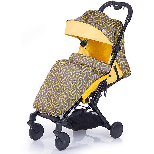 Прогулочная коляска BabyHit Amber 2017, жёлтыйПрогулочные коляски<br>Характеристики коляски<br><br>Прогулочный блок:<br><br>• наклон спинки регулируется, 4 положения, ременной принцип, угол наклона 160 градусов;<br>• бампер изготовлен по принципу штурвала: имеется разделитель для ножек и Т-образный поручень для ручек;<br>• капюшон оснащен солнцезащитным капюшоном и смотровым окошком;<br>• ремни безопасности регулируются по длине и высоте;<br>• длина спального места: 66 см;<br>• ширина сиденья: 32 см;<br>• высота спинки: 42 см<br><br>Рама коляски:<br><br>• внизу расположена корзина для покупок;<br>• передние колеса поворотные без блокировки;<br>• рама складывается по принципу книжка вместе с прогулочным блоком;<br>• коляска складывается одной рукой, кнопка на ручке коляски;<br>• диаметр колес: 13,5 см;<br>• материал колес: псевдорезина;<br>• материал рамы: алюминий.<br><br>Размер коляски: 104x85x47 см<br>Размер коляски в сложенном виде: 54x47x32 см<br>Вес коляски: 6,7 кг<br>Размер упаковки: 57х46,5х25,5 см<br>Вес в упаковке: 7,6 кг<br><br>Дополнительная комплектация:<br><br>• сумка для хранения и транспортировки в сложенном виде;<br>• чехол на ножки;<br>• дождевик;<br>• москитная сетка;<br>• инструкция. <br><br>Прогулочную коляску AMBER (2017), Babyhit, цвет жёлтый можно купить в нашем интернет-магазине.<br><br>Ширина мм: 465<br>Глубина мм: 255<br>Высота мм: 570<br>Вес г: 7600<br>Возраст от месяцев: 7<br>Возраст до месяцев: 36<br>Пол: Унисекс<br>Возраст: Детский<br>SKU: 5500281