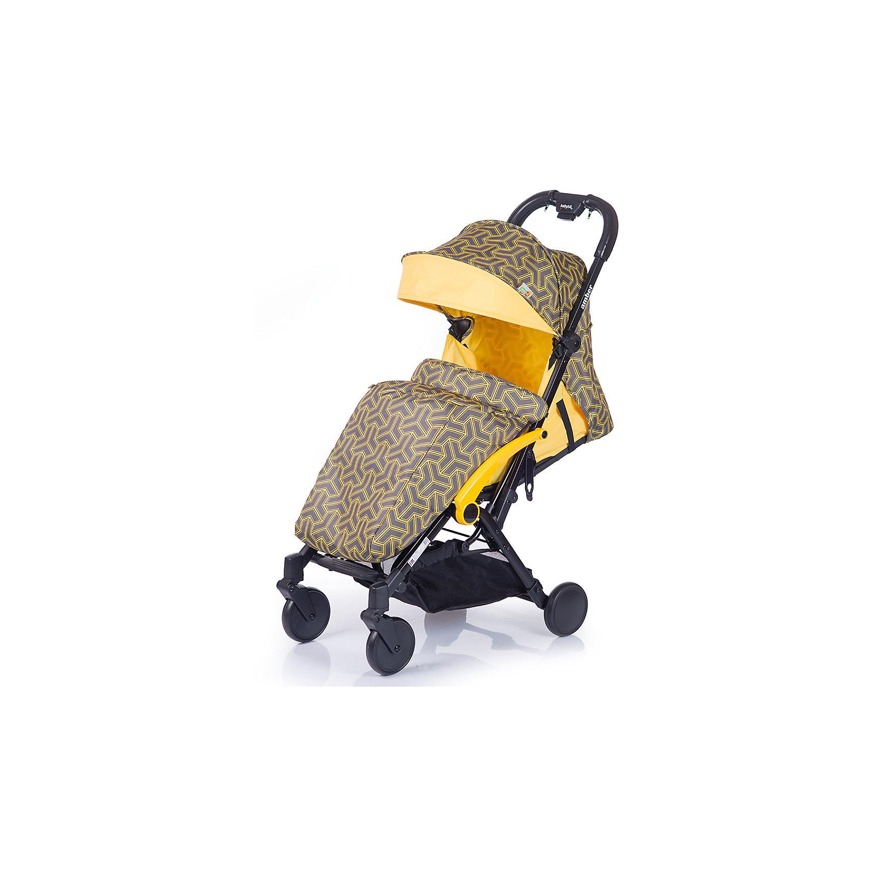 Прогулочная коляска BabyHit Amber (2017), жёлтыйПрогулочные коляски<br>Характеристики коляски<br><br>Прогулочный блок:<br><br>• наклон спинки регулируется, 4 положения, ременной принцип, угол наклона 160 градусов;<br>• бампер изготовлен по принципу штурвала: имеется разделитель для ножек и Т-образный поручень для ручек;<br>• капюшон оснащен солнцезащитным капюшоном и смотровым окошком;<br>• ремни безопасности регулируются по длине и высоте;<br>• длина спального места: 66 см;<br>• ширина сиденья: 32 см;<br>• высота спинки: 42 см<br><br>Рама коляски:<br><br>• внизу расположена корзина для покупок;<br>• передние колеса поворотные без блокировки;<br>• рама складывается по принципу книжка вместе с прогулочным блоком;<br>• коляска складывается одной рукой, кнопка на ручке коляски;<br>• диаметр колес: 13,5 см;<br>• материал колес: псевдорезина;<br>• материал рамы: алюминий.<br><br>Размер коляски: 104x85x47 см<br>Размер коляски в сложенном виде: 54x47x32 см<br>Вес коляски: 6,7 кг<br>Размер упаковки: 57х46,5х25,5 см<br>Вес в упаковке: 7,6 кг<br><br>Дополнительная комплектация:<br><br>• сумка для хранения и транспортировки в сложенном виде;<br>• чехол на ножки;<br>• дождевик;<br>• москитная сетка;<br>• инструкция. <br><br>Прогулочную коляску AMBER (2017), Babyhit, цвет жёлтый можно купить в нашем интернет-магазине.<br><br>Ширина мм: 465<br>Глубина мм: 255<br>Высота мм: 570<br>Вес г: 7600<br>Возраст от месяцев: 7<br>Возраст до месяцев: 36<br>Пол: Унисекс<br>Возраст: Детский<br>SKU: 5500281
