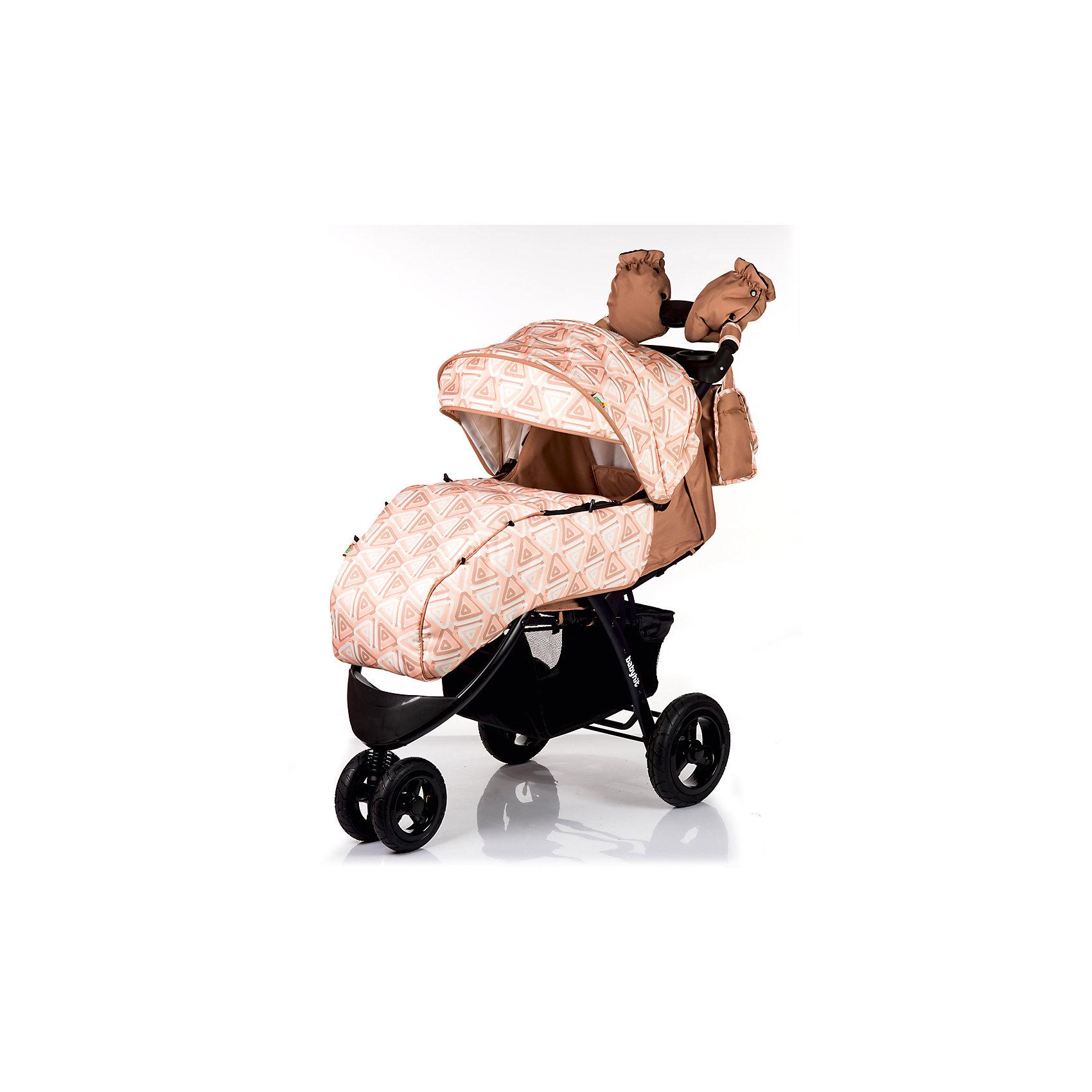Прогулочная коляска BabyHit VOYAGE AIR, бежевыйПрогулочные коляски<br>Характеристики коляски<br><br>Прогулочный блок:<br><br>• горизонтальное положение спинки, угол наклона 170 градусов;<br>• подножка регулируется и удлиняет спальное место;<br>• 5-ти точечные ремни безопасности;<br>• съемный защитный бампер с паховым ограничителем;<br>• столик с подстаканниками и бардачком на ручке;<br>• капюшон-батискаф, опускается до бамера;<br>• калюшон оснащен солнцезащитным козырьком и смотровым окошком;<br>• пластиковая подножка для подросшего малыша;<br>• материал: пластик, полиэстер;<br>• длина спального места: 89 см;<br>• ширина сиденья: 34 см<br>• высота спинки: 40 см;<br>• глубина сиденья: 25 см.<br><br>Рама коляски:<br><br>• коляска складывается вместе с прогулочным блоком по типу книжки;<br>• легко складывается одной рукой;<br>• коляска в сложенном виде стоит в вертикальном положении;<br>• имеется корзина для покупок;<br>• 3-х колесная коляска;<br>• колеса надувные;<br>• плавающее переднее колесо с фиксаторами;<br>• задние надувные колеса;<br>• диаметр колес: 19,5 см, 26 см;<br>• материал колес: псевдорезина;<br>• материал рамы: алюминий.<br><br>Размер коляски: 103х57х108 см<br>Размер коляски в сложенном виде: 100х57х34 см<br>Вес коляски: 13,1 кг<br>Размер упаковки: 51х48х30 см<br>Вес в упаковке: 16,8 кг<br><br>Дополнительные аксессуары, входящие в комплект:<br><br>• чехол на ножки;<br>• дождевик;<br>• москитная сетка;<br>• сумка для мамы;<br>• муфта для рук;<br>• инструкция.<br><br>Прогулочную коляску VOYAGE AIR, Babyhit, бежевую можно купить в нашем интернет-магазине.<br><br>Ширина мм: 480<br>Глубина мм: 300<br>Высота мм: 510<br>Вес г: 16850<br>Возраст от месяцев: 7<br>Возраст до месяцев: 36<br>Пол: Унисекс<br>Возраст: Детский<br>SKU: 5500318