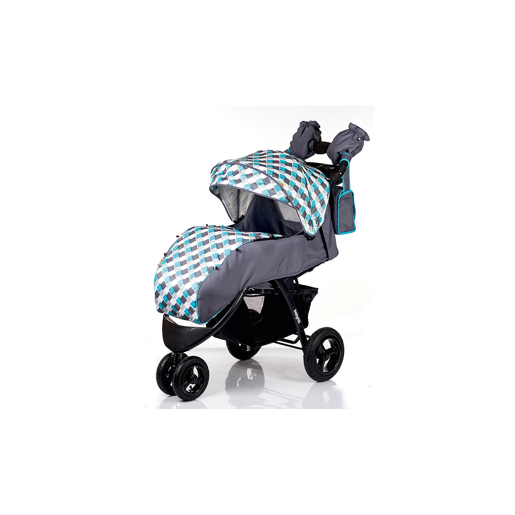 Прогулочная коляска BabyHit VOYAGE AIR, серый с голубымПрогулочные коляски<br>Характеристики коляски<br><br>Прогулочный блок:<br><br>• горизонтальное положение спинки, угол наклона 170 градусов;<br>• подножка регулируется и удлиняет спальное место;<br>• 5-ти точечные ремни безопасности;<br>• съемный защитный бампер с паховым ограничителем;<br>• столик с подстаканниками и бардачком на ручке;<br>• капюшон-батискаф, опускается до бамера;<br>• калюшон оснащен солнцезащитным козырьком и смотровым окошком;<br>• пластиковая подножка для подросшего малыша;<br>• материал: пластик, полиэстер;<br>• длина спального места: 89 см;<br>• ширина сиденья: 34 см<br>• высота спинки: 40 см;<br>• глубина сиденья: 25 см.<br><br>Рама коляски:<br><br>• коляска складывается вместе с прогулочным блоком по типу книжки;<br>• легко складывается одной рукой;<br>• коляска в сложенном виде стоит в вертикальном положении;<br>• имеется корзина для покупок;<br>• 3-х колесная коляска;<br>• колеса надувные;<br>• плавающее переднее колесо с фиксаторами;<br>• задние надувные колеса;<br>• диаметр колес: 19,5 см, 26 см;<br>• материал колес: псевдорезина;<br>• материал рамы: алюминий.<br><br>Размер коляски: 103х57х108 см<br>Размер коляски в сложенном виде: 100х57х34 см<br>Вес коляски: 13,1 кг<br>Размер упаковки: 51х48х30 см<br>Вес в упаковке: 16,8 кг<br><br>Дополнительные аксессуары, входящие в комплект:<br><br>• чехол на ножки;<br>• дождевик;<br>• москитная сетка;<br>• сумка для мамы;<br>• муфта для рук;<br>• инструкция.<br><br>Прогулочную коляску VOYAGE AIR, Babyhit, серую с голубым можно купить в нашем интернет-магазине.<br><br>Ширина мм: 480<br>Глубина мм: 300<br>Высота мм: 510<br>Вес г: 16850<br>Возраст от месяцев: 7<br>Возраст до месяцев: 36<br>Пол: Унисекс<br>Возраст: Детский<br>SKU: 5500320