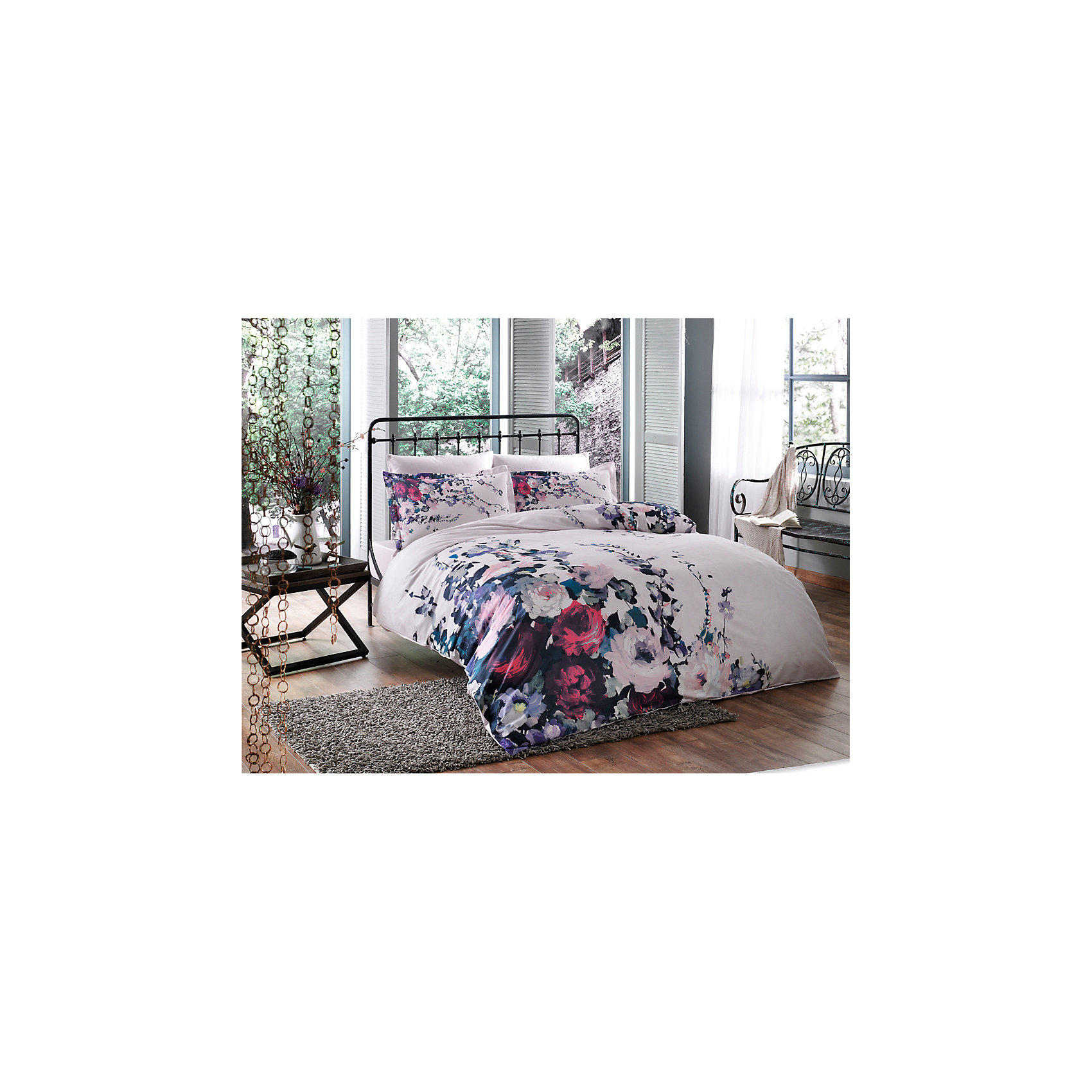 Постельное белье 1,5сп. Veronica, сатин, TAC, лиловыйДомашний текстиль<br>Характеристики:<br><br>• Вид домашнего текстиля: постельное белье<br>• Тип постельного белья по размерам: 1,5 спальное<br>• Рисунок: цветы<br>• Сезон: круглый год<br>• Материал: сатин, 100% хлопок <br>• Цвет: лиловый, розовый, красный<br>• Комплектация: <br> пододеяльник – 1 шт. 160*220 см <br> простынь – 1 шт. 180*260 см<br> наволочки – 1 шт. 50*70 см<br>• Вид застежки: пуговицы<br>• Тип упаковки: книжка картонная<br>• Вес в упаковке: 2 кг 200 г<br>• Размеры упаковки (Д*Ш*В): 27*7*37 см<br>• Особенности ухода: машинная стирка <br><br>Постельное белье 1,5 сп. Veronica, сатин, TAC, лиловый от наиболее популярного бренда на отечественном рынке среди производителей комплектов постельного белья и текстильных принадлежностей, выпуском которого занимается производственная компания, являющаяся частью мирового холдинга Zorlu Holding Textiles Group. <br><br>Комплект состоит из 3-х предметов и включает в себя: пододеяльник, простынь и наволочку. Все изделия выполнены из хлопкового сатина, который характеризуется высокими износоустойчивыми качествами, не теряет формы и цвета при длительном использовании, после стирки изделия полностью расправляются и сохраняют ровность полотна, поэтому они не нуждаются в глажке. Специальным образом скрученная нить, из которой изготовлено сатиновое полотно, обеспечивает характерный блеск и защиту от образования катышков. <br><br>Обладает повышенными гигроскопичными качествами, благодаря чему оно комфортно для использования в любое время года. Постельное белье выполнено в стильном дизайне: принт из крупных цветов на светло лиловом фоне придают комплекту особое очарование и романтический шик. <br>Постельное белье 1,5 сп. Veronica, сатин, TAC, лиловый станет прекрасным решением для тех, кто ценит качество, стиль и долговечность!<br><br>Постельное белье 1,5 сп. Veronica, сатин, TAC, лиловый можно купить в нашем интернет-магазине.<br><br>Ширина мм: 270<br>Глубина мм: 70<br>Выс