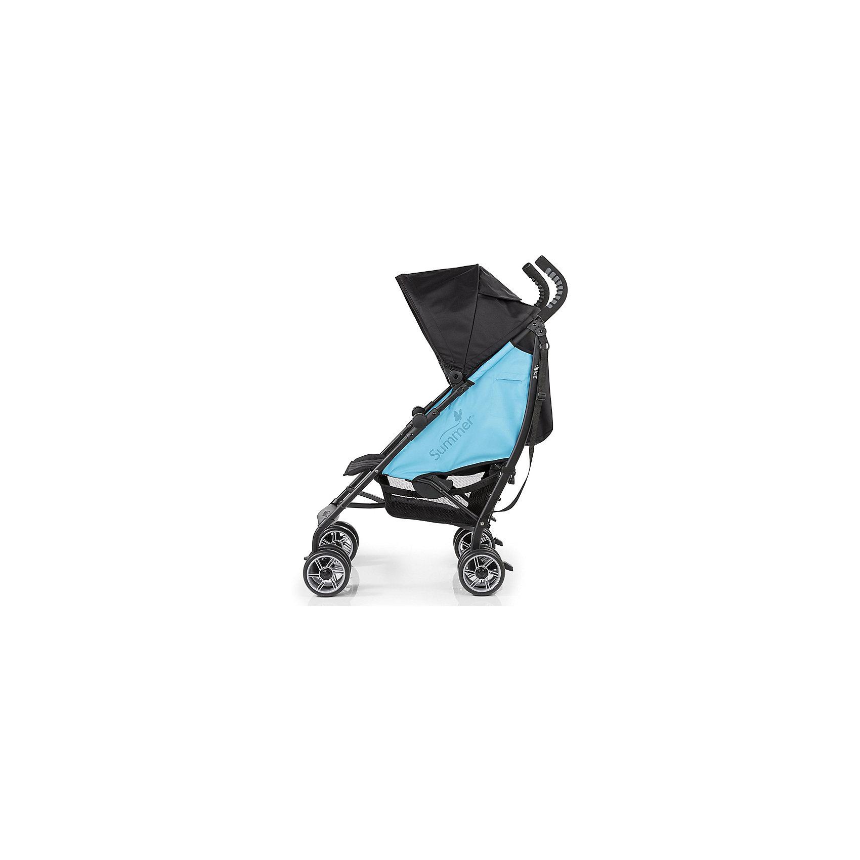 Коляска-трость Summer Infant 3D Flip, черный/голубойКоляски-трости<br>Характеристики коляски:<br><br>• спинка коляски опускается до горизонтального положения, регулируется в 6-ти позициях;<br>• двустороннее сиденье прогулочного блока позволяет использовать коляску в двух направлениях движения;<br>• ребенок может лежать или сидеть в коляске как лицом по ходу движения, так и лицом против хода движения;<br>• показатели роста и веса ребенка: до 22,7 кг и 109 см в положении «лицом вперед» и 11,3 кг и 76 см в положении «спинкой вперед»;<br>• капюшон регулируется по высоте и глубине, диапазон раскладывания составляет 180 градусов;<br>• капюшон оснащен смотровым окошком под клапаном на липучке;<br>• имеется кармашек для мелких аксессуаров;<br>• 5-ти точечные ремни безопасности с мягкими накладками надежно удерживают ребенка в прогулочном блоке;<br>• корзина для покупок, нагрузка 4,5 кг;<br>• подстаканник в комплекте;<br>• сдвоенные колеса, передние колеса оснащены поворотным механизмом с блокировкой, задние колеса – ножным тормозом;<br>• диаметр колес: 15 см;<br>• для переноски коляски в сложенном виде используется плечевой ремень;<br>• коляска складывается компактной «тростью».<br><br>Обратите внимание: <br><br>• коляска без бампера;<br>• подножка имеет одно положение;<br>• ручки коляски находятся на фиксированной высоте.<br><br>Размер коляски: 69х46х109 см<br>Размер коляски в сложенном виде: 102х32,5х24,5 см<br>Вес коляски: 8 кг<br>Вес в упаковке: 9 кг<br><br>Коляска-трость 3D Flip – полноценная летняя коляска с возможностью установки спинки в горизонтальном положении. Ребенок может спать в естественном положении тела, когда спинка, головка и ножки находятся в одной плоскости. Прогулочное сиденье является двусторонним, спинка может опускаться под углом 180 градусов в одну и другую сторону, высокие боковинки устанавливаются таким образом, что ребенок полностью защищен в коляске. Пока ребенок совсем маленький, рекомендуется везти его лицом к маме, а подросшего ребенка лучше