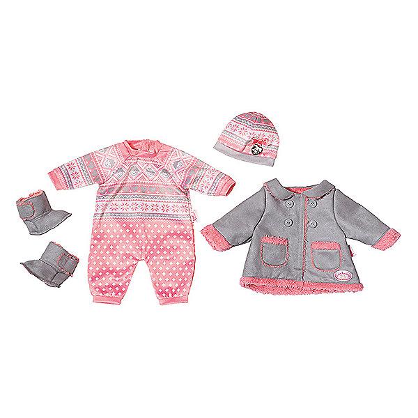 Игрушка Baby Annabell Одежда для прохладной погоды, кор.Одежда для кукол<br>С новой теплой одеждой Бэби Аннабелль с нетерпением будет ждать холодов! В наборе стильный комбинезончик, пальто, шапочка и причудливые угги.<br><br>Ширина мм: 404<br>Глубина мм: 363<br>Высота мм: 85<br>Вес г: 459<br>Возраст от месяцев: 36<br>Возраст до месяцев: 60<br>Пол: Женский<br>Возраст: Детский<br>SKU: 5508588