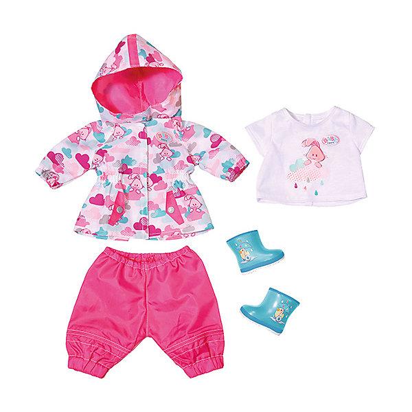 Одежда для куклы Zapf Creation Baby Born Для дождливой погодыОдежда для кукол<br>Характеристики:<br>• возраст: от 3 лет;<br>• материал: текстиль;<br>• в комплекте:уличные штаниши, кофта с капюшоном, резиновые сапоги;<br>• размер упаковки:0.8х 37х0.32 см;<br>• упаковка: картонная коробка;<br>• страна бренда: Германия;<br>• страна изгтовитель: Китай.<br>Вашему ребенку будет очень интересно играть с оригинальный набором одежды Baby born для дождливой погоды, состоящий футболочка с веселой аппликацией, непромокаемые штанишки и курточка с капюшоном, а также резиновые сапоги.<br>Теперь куколке будет тепло,а её хозяйка и кукла сразу будут в центре внимания.<br>Игрушку BABY born Одежда для дождливой погоды, можно купить в нашем интернет-магазине.<br>Ширина мм: 365; Глубина мм: 324; Высота мм: 86; Вес г: 415; Возраст от месяцев: 36; Возраст до месяцев: 60; Пол: Женский; Возраст: Детский; SKU: 5508603;