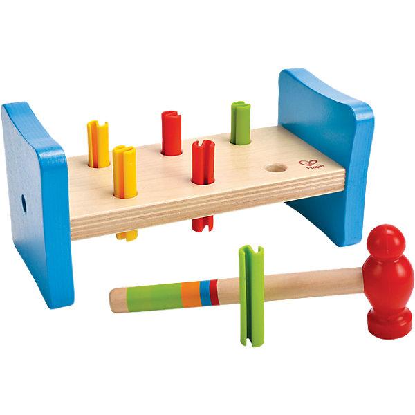 Развивающая игрушка Hape ГвоздикиДеревянные игрушки<br>Характеристики:<br><br>• развивающая игрушка для детей от 1 года;<br>• развитие координации движений и двигательной активности;<br>• в комплекте двустороннее основание с отверстиями, 6 объемных гвоздиков, молоточек;<br>• материал: дерево, пластик;<br>• размер игрушки: 20х9,5х9,5 см;<br>• размер упаковки: 20,3х10,2х10,2 см.<br><br>Деревянная игрушка «Гвоздики» позволяет тренировать координацию движений ребенка, меткость и точность попаданий в цель. Деревянная платформа двусторонняя, когда забиты все гвоздики, игрушка переворачивается, игра продолжается. <br><br>Малышу предлагается систематическими движениями стучать молоточком по шляпкам гвоздиков в верхнем основании платформы, чтобы они «скрылись» из поля видимости. Игра развивает меткость, координацию движений, глазомер. <br><br>Развивающую игрушку Hape «Гвоздики» можно купить в нашем интернет-магазине.<br>Ширина мм: 200; Глубина мм: 95; Высота мм: 95; Вес г: 400; Возраст от месяцев: 12; Возраст до месяцев: 24; Пол: Унисекс; Возраст: Детский; SKU: 5511212;