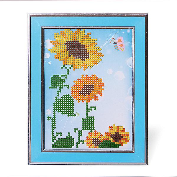 Картины мозаикой Подсолнухи, 5 цветовМозаика детская<br>Картины мозаикой Подсолнухи, 5 цветов.<br><br>Характеристики:<br><br>• Для детей в возрасте: от 7 лет<br>• В наборе: трафарет из плотного картона с клеевым слоем и нанесенной схемой рисунка, декоративная пластиковая рамка с безопасным защитным оргстеклом, пластиковый контейнер для элементов мозаики, подложка для рамки с подставкой, специальный клеевой карандаш, комплект разноцветных круглых мозаичных элементов размером 2,5 мм.<br>• Количество цветов: 5<br>• Размер картины: 17х21 см.<br>• Площадь заполнения: частичная<br>• Уровень сложности: средний<br>• Размер упаковки: 23х19х3 см.<br><br>В этом наборе уже есть все для создания маленького шедевра: разноцветные элементы мозаики, контейнер для мозаики, специальный карандаш с клеем, рамка с подставкой, защитное оргстекло, которое надежно сохранит готовую картину, и основа с клеевым слоем, на которую уже нанесен рисунок. Нужно лишь приклеить мозаичные элементы на основу с нанесенным контуром - и яркая картинка готова. Картина мозаикой, созданная своими руками, станет превосходным украшением детской комнаты, а также послужит замечательным подарком родным и близким.<br><br>Картину мозаикой Подсолнухи, 5 цветов можно купить в нашем интернет-магазине.<br>Ширина мм: 180; Глубина мм: 230; Высота мм: 300; Вес г: 250; Возраст от месяцев: 84; Возраст до месяцев: 2147483647; Пол: Унисекс; Возраст: Детский; SKU: 5519362;