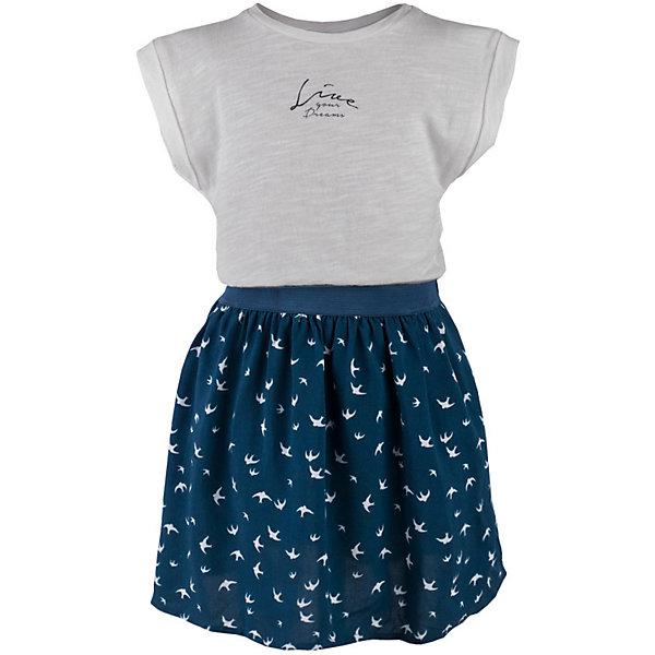 Платье для девочки  BUTTON BLUEПлатья и сарафаны<br>Платье для девочки  BUTTON BLUE<br>Прекрасный летний вариант - комбинированное детское платье из однотонного трикотажа и текстиля в мелкий рисунок. Модный силуэт, комфортная форма делают платье для девочки отличным решением для каждого дня лета. Если вы хотите приобрести одновременно и красивую, и практичную, и удобную вещь, вам стоит купить детское платье от Button Blue. Низкая цена не окажет влияния на бюджет семьи, позволив создать яркий базовый гардероб для долгожданных каникул!<br>Состав:<br>100%  хлопок/ 100%  вискоза<br><br>Ширина мм: 236<br>Глубина мм: 16<br>Высота мм: 184<br>Вес г: 177<br>Цвет: синий<br>Возраст от месяцев: 24<br>Возраст до месяцев: 36<br>Пол: Женский<br>Возраст: Детский<br>Размер: 98,158,152,146,140,134,128,122,116,110,104<br>SKU: 5523295