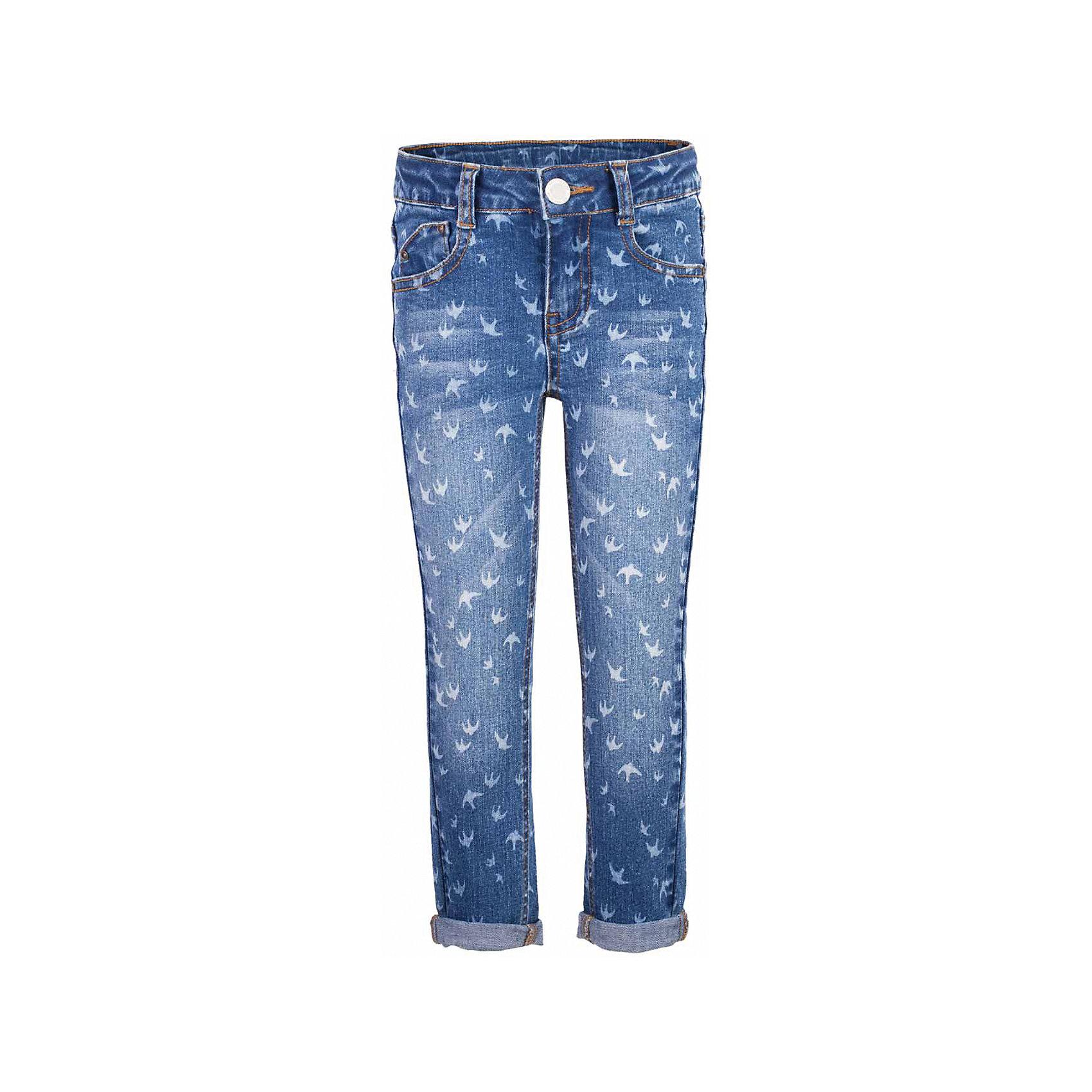 Джинсы для девочки  BUTTON BLUEДжинсовая одежда<br>Джинсы для девочки  BUTTON BLUE<br>Классные голубые джинсы с рисунком — гарантия модного современного образа! Хороший крой,  удобная посадка на фигуре подарят девочке комфорт и свободу движений. Если вы хотите купить ребенку недорогие джинсы облегающего силуэта, модель от Button Blue - прекрасный выбор!<br>Состав:<br>99% хлопок 1%эластан<br><br>Ширина мм: 215<br>Глубина мм: 88<br>Высота мм: 191<br>Вес г: 336<br>Цвет: голубой<br>Возраст от месяцев: 24<br>Возраст до месяцев: 36<br>Пол: Женский<br>Возраст: Детский<br>Размер: 98,146,140,134,128,122,116,158,110,104,152<br>SKU: 5523688