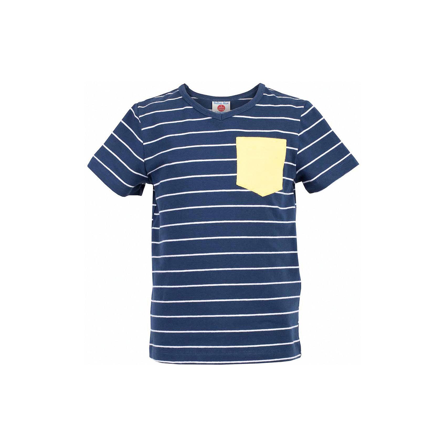 Футболка для мальчика  BUTTON BLUEФутболки, поло и топы<br>Футболка для мальчика  BUTTON BLUE<br>Синяя футболка в полоску - не только базовая вещь в гардеробе ребенка, но и основа модного летнего образа! Если вы решили купить недорогую футболку для мальчика, выберете футболку от Button Blue с V-образной горловиной и контрастным карманом. Маленькая яркая деталь - изюминка модели, создающая настроение! Низкая цена изделия не окажет влияния на бюджет семьи, позволив создать интересный гардероб для долгожданных каникул!<br>Состав:<br>95% хлопок 5% эластан<br><br>Ширина мм: 199<br>Глубина мм: 10<br>Высота мм: 161<br>Вес г: 151<br>Цвет: синий<br>Возраст от месяцев: 120<br>Возраст до месяцев: 132<br>Пол: Мужской<br>Возраст: Детский<br>Размер: 146,152,158,98,104,110,116,122,128,140<br>SKU: 5524175