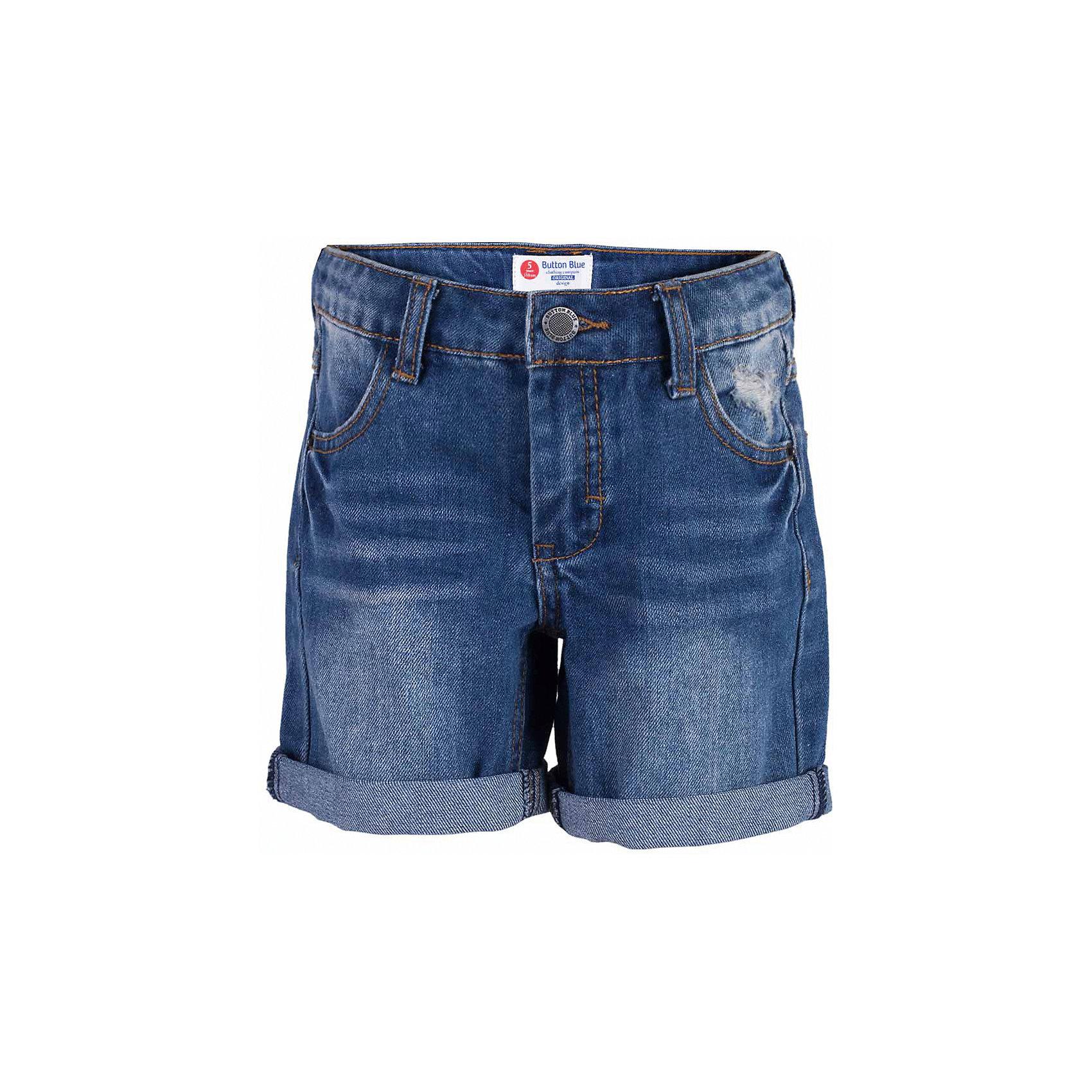 Шорты джинсовые для мальчика  BUTTON BLUEШорты, бриджи, капри<br>Шорты для мальчика  BUTTON BLUE<br>Классные джинсовые шорты с потертостями, варкой и повреждениями - прекрасное решение на каждый день! И дома, и в лагере, и на спортивной площадке эти шорты для мальчика обеспечат комфорт и соответствие модным трендам. Купить недорого детские шорты от Button Blue , значит, сделать каждый летний день ребенка радостным и беззаботным!<br>Состав:<br>100%  хлопок<br><br>Ширина мм: 191<br>Глубина мм: 10<br>Высота мм: 175<br>Вес г: 273<br>Цвет: синий<br>Возраст от месяцев: 144<br>Возраст до месяцев: 156<br>Пол: Мужской<br>Возраст: Детский<br>Размер: 158,98,104,110,116,122,128,134,140,146,152<br>SKU: 5524644
