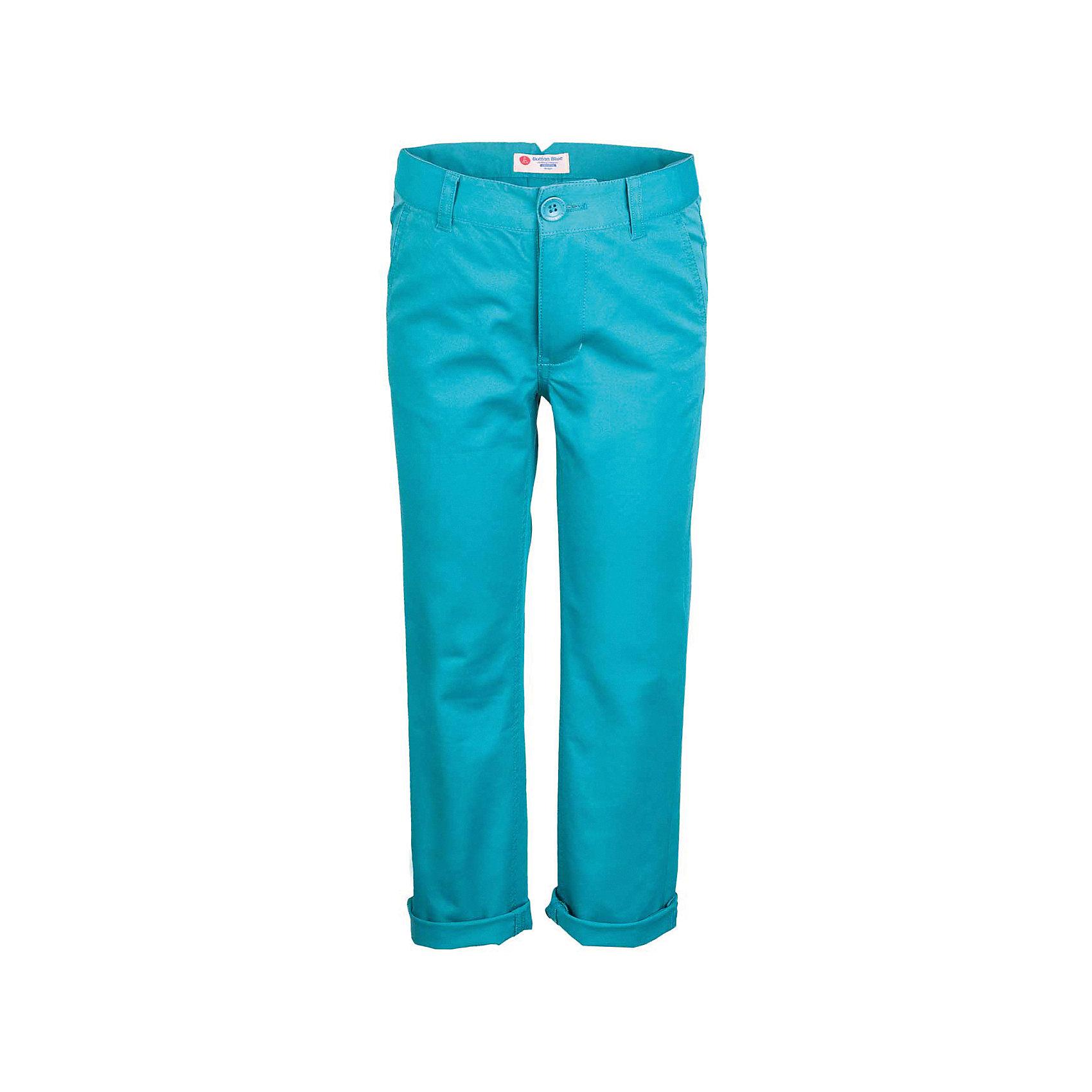 Брюки для мальчика  BUTTON BLUEБрюки<br>Брюки для мальчика  BUTTON BLUE<br>Яркие брюки - залог стильного образа для каждого дня лета. Отличные брюки из хлопка с эластаном гарантируют прекрасный внешний вид, комфорт и свободу движений. В компании с любой майкой, футболкой, джемпером брюки составят достойный летний комплект. Если вы хотите купить недорогие детские брюки, не сомневаясь в их качестве, высоких потребительских свойствах и соответствии модным трендам, брюки для мальчика от Button Blue - лучший вариант!<br>Состав:<br>97% хлопок 3%эластан<br><br>Ширина мм: 215<br>Глубина мм: 88<br>Высота мм: 191<br>Вес г: 336<br>Цвет: бирюзовый<br>Возраст от месяцев: 144<br>Возраст до месяцев: 156<br>Пол: Мужской<br>Возраст: Детский<br>Размер: 158,140,110,116,122,128,134,146,152<br>SKU: 5524679