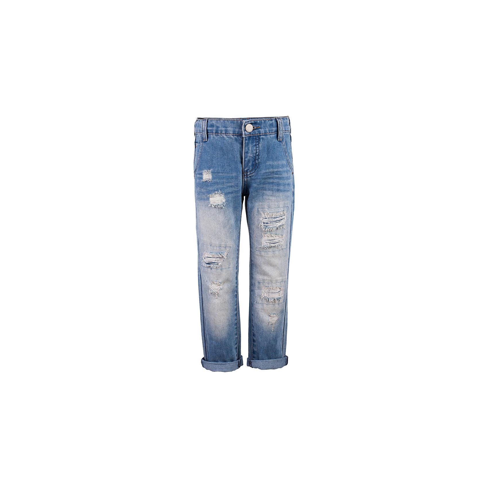 Джинсы для мальчика  BUTTON BLUEДжинсовая одежда<br>Джинсы для мальчика  BUTTON BLUE<br>Классные голубые джинсы с потертостями и повреждениями — гарантия модного современного образа! Хороший крой, удобная посадка на фигуре подарят мальчику комфорт и свободу движений. Если вы хотите купить ребенку недорогие модные джинсы классического силуэта, модель от Button Blue - прекрасный выбор!<br>Состав:<br>100%  хлопок<br><br>Ширина мм: 215<br>Глубина мм: 88<br>Высота мм: 191<br>Вес г: 336<br>Цвет: голубой<br>Возраст от месяцев: 144<br>Возраст до месяцев: 156<br>Пол: Мужской<br>Возраст: Детский<br>Размер: 158,98,104,110,116,122,140,146,152<br>SKU: 5524689
