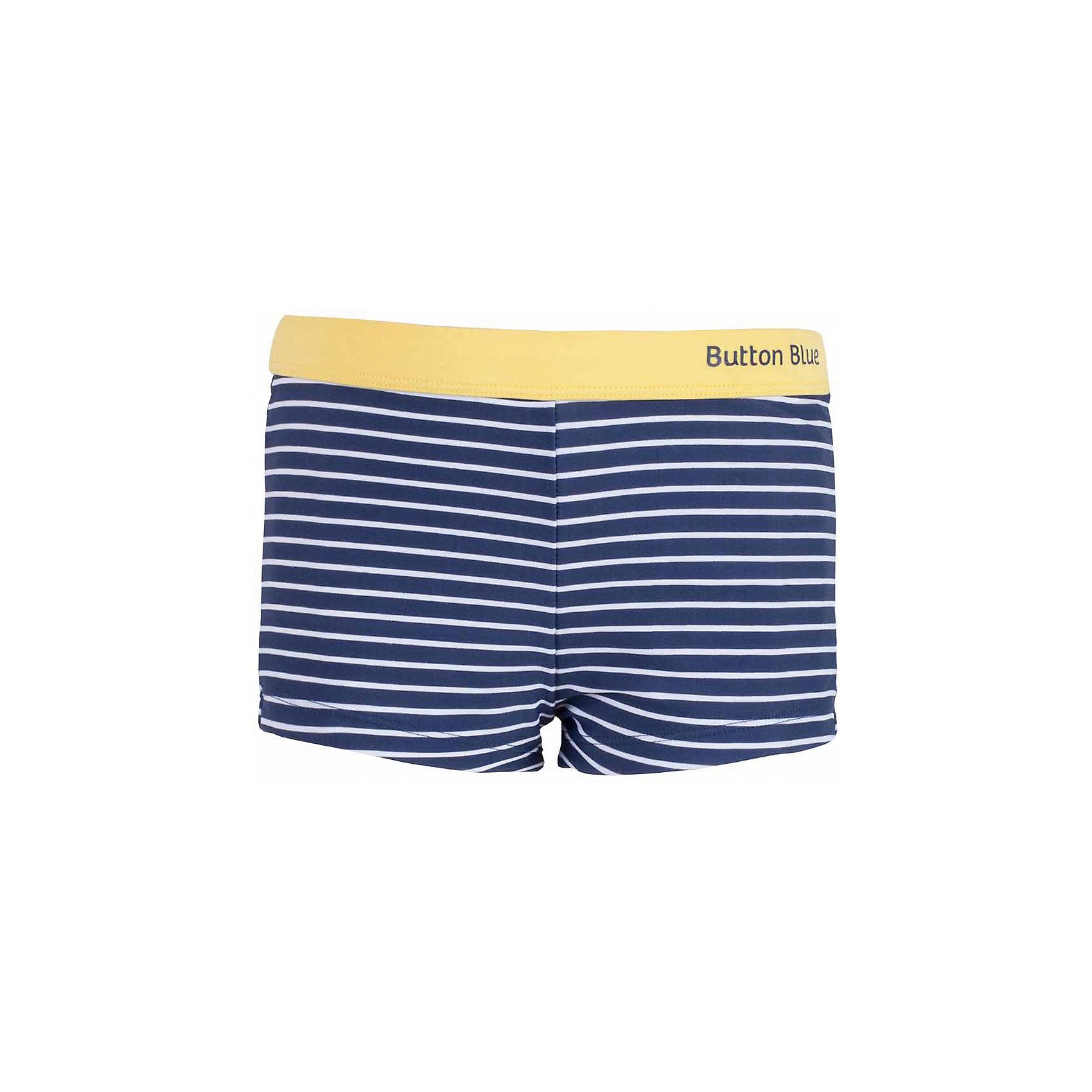 Плавки для мальчика BUTTON BLUEПлавки для мальчика BUTTON BLUE<br>Яркие полосатые плавки с контрастной отделкой подарят ребенку отличное настроение на весь пляжный сезон. Если вы решили купить красивые плавки недорого, выберете плавки от Button Blue. Они обеспечат ребенку комфорт, а вам - удовольствие от покупки.<br>Состав:<br>83% полиамид 17% эластан; подклад: 100% полиэстер<br><br>Ширина мм: 183<br>Глубина мм: 60<br>Высота мм: 135<br>Вес г: 119<br>Цвет: синий<br>Возраст от месяцев: 132<br>Возраст до месяцев: 144<br>Пол: Мужской<br>Возраст: Детский<br>Размер: 152,98,104,116,128,140<br>SKU: 5524750