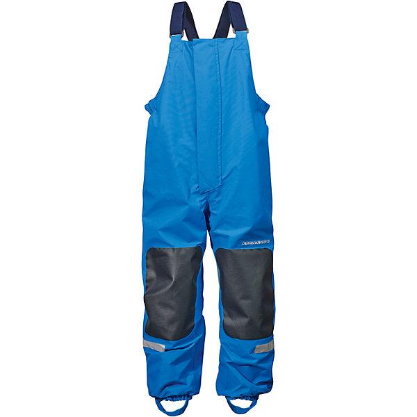 Непромокаемые брюки CHANING для мальчика DIDRIKSONSВерхняя одежда<br>Характеристики товара:<br><br>• цвет: синий<br>• состав ткани: 100% полиамид<br>• подкладка: 100% полиэстер, трикотаж<br>• утеплитель: нет<br>• температурный режим: от +5°С до +20°С<br>• сезон: демисезон<br>• водонепроницаемость: 5000 мм<br>• воздухопроницаемость: 4000 г/м2/24 ч<br>• брюки мембранные<br>• ветронепродуваемые<br>• все швы проклеены<br>• фиксированные подтяжки<br>• регулируемые штрипки<br>• светоотражающие элементы<br>• легкий уход <br>• страна бренда: Швеция<br>• страна производства: Китай<br><br>Брюки из непромокаемой и непродуваемой мембранной ткани. Все швы проклеены, что обеспечивает максимальную защиту от внешней влаги. Подкладка из полиэстера. Молния под планкой. Несъемные лямки. Регулируемые резинки для обуви.  Светоотражатели. Модель растет вместе с ребенком: уникальный крой изделия позволяет при необходимости увеличить длину штанин на один размер, распустив специальный внутренний шов.<br><br>Брюки CHANING для мальчика от бренда DIDRIKSONS (Дидриксонс) можно купить в нашем интернет-магазине.<br><br>Ширина мм: 215<br>Глубина мм: 88<br>Высота мм: 191<br>Вес г: 336<br>Цвет: голубой<br>Возраст от месяцев: 96<br>Возраст до месяцев: 108<br>Пол: Мужской<br>Возраст: Детский<br>Размер: 130,120,140<br>SKU: 5527234