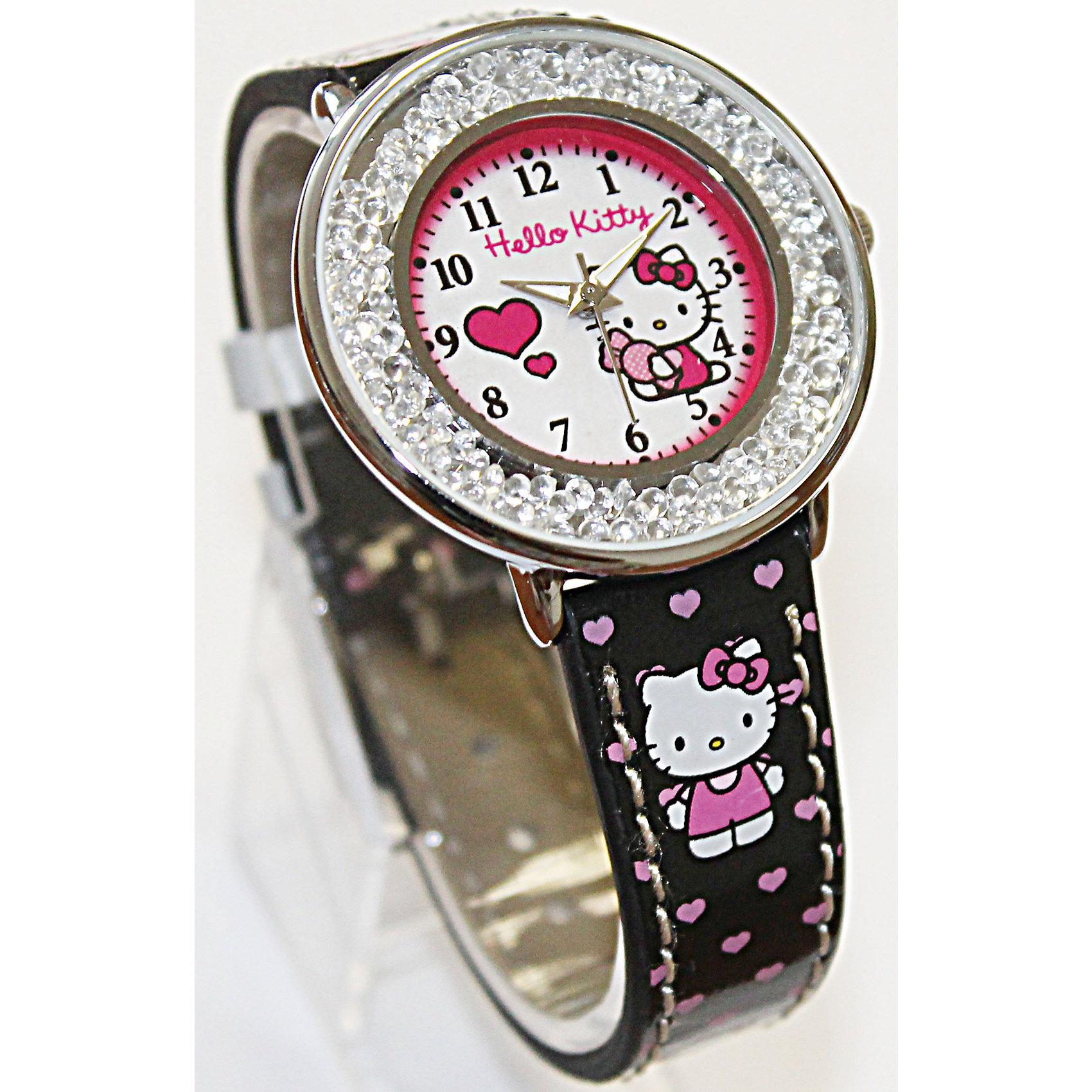 Часы наручные аналоговые, Hello KittyHello Kitty<br>Эксклюзивные наручные аналоговые часы торговой марки Hello Kitty выполнены по индивидуальному дизайну ООО «Детское Время» и лицензии компании Sanrio. Обилие деталей - декоративных элементов (страз, мерцающих ремешков), надписей,  уникальных изображений - делают изделие тщательно продуманным творением мастеров. Часы имеют высококачественный японский кварцевый механизм и отличаются надежностью и точностью хода. Часы водоустойчивы и обладают достаточной герметичностью, чтобы спокойно перенести случайный и незначительный контакт с жидкостями (дождь, брызги), но они не предназначены для плавания или погружения в воду. Циферблат защищен от повреждений прочным минеральным стеклом. Корпус часов выполнен из стали,  задняя крышка из нержавеющей стали. Материал браслета: искусственная кожа. Единица товара упаковывается в стильную подарочную коробочку. Неповторимый стиль с изобилием насыщенных и в тоже время нежных гамм; надежность и прочность изделия позволяют говорить о нем только в превосходной степени!Размеры изделия: 1,5х0,1х21 (ДШВ), диаметр циф-та - 3,5 см.<br><br>Ширина мм: 55<br>Глубина мм: 10<br>Высота мм: 250<br>Вес г: 32<br>Возраст от месяцев: 36<br>Возраст до месяцев: 72<br>Пол: Женский<br>Возраст: Детский<br>SKU: 5529321