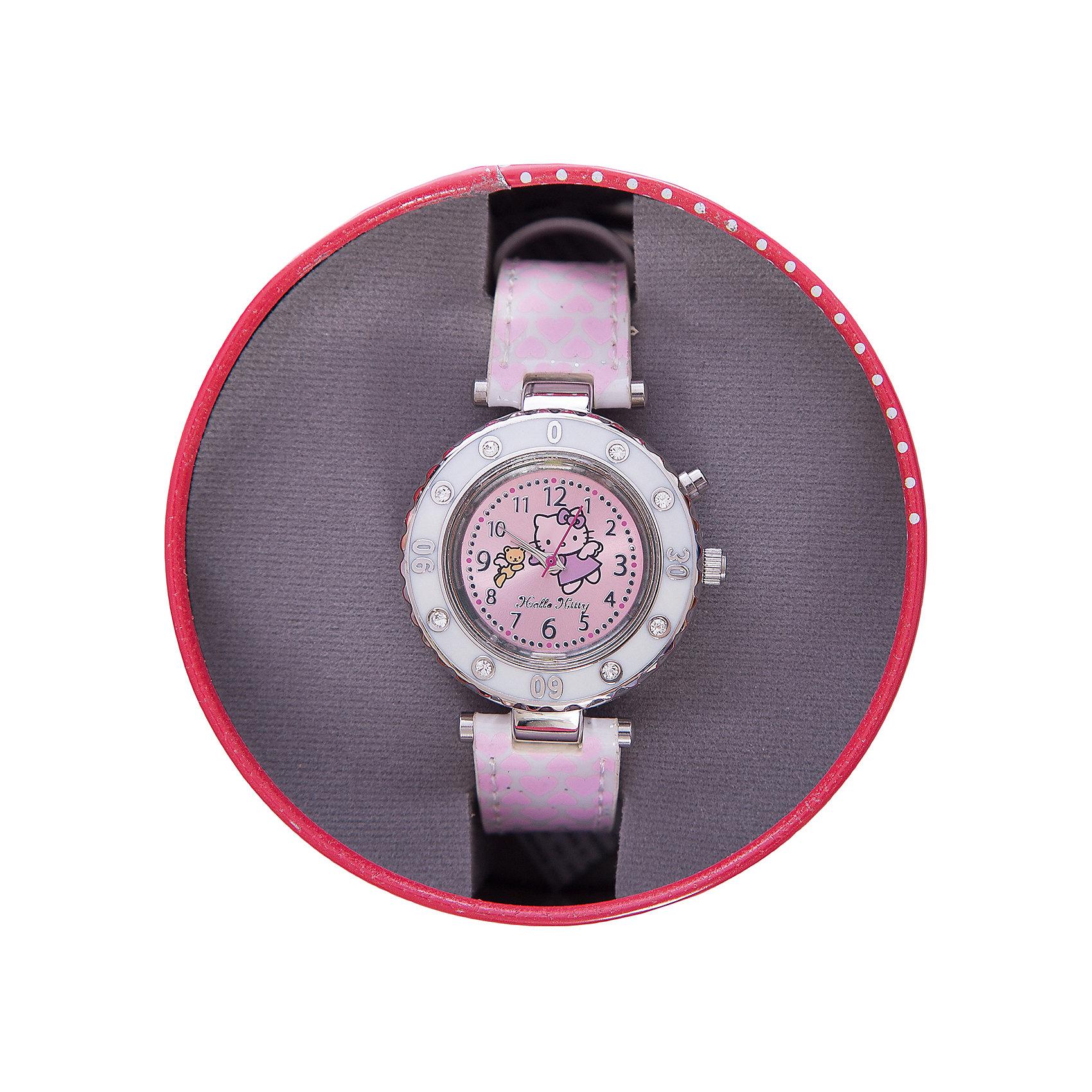 Часы наручные аналоговые с подсветкой, Hello KittyHello Kitty<br>Эксклюзивные наручные аналоговые часы торговой марки Hello Kitty выполнены по индивидуальному дизайну ООО «Детское Время» и лицензии компании Sanrio. Обилие деталей - декоративных элементов (страз, мерцающих ремешков), надписей,  уникальных изображений - делают изделие тщательно продуманным творением мастеров. Часы имеют высококачественный японский кварцевый механизм и отличаются надежностью и точностью хода. Часы водоустойчивы и обладают достаточной герметичностью, чтобы спокойно перенести случайный и незначительный контакт с жидкостями (дождь, брызги), но они не предназначены для плавания или погружения в воду. Циферблат защищен от повреждений прочным минеральным стеклом. Корпус часов выполнен из стали,  задняя крышка из нержавеющей стали. Материал браслета: искусственная кожа. Единица товара упаковывается в стильную подарочную коробочку. Неповторимый стиль с изобилием насыщенных и в тоже время нежных гамм; надежность и прочность изделия позволяют говорить о нем только в превосходной степени!<br><br>Ширина мм: 55<br>Глубина мм: 10<br>Высота мм: 240<br>Вес г: 43<br>Возраст от месяцев: 36<br>Возраст до месяцев: 72<br>Пол: Женский<br>Возраст: Детский<br>SKU: 5529326