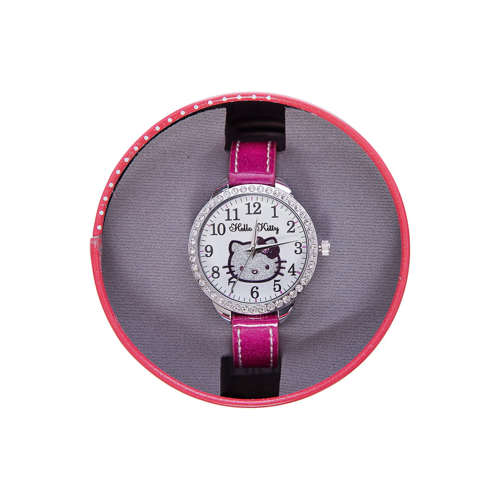 Часы наручные аналоговые, Hello KittyHello Kitty<br>Эксклюзивные наручные аналоговые часы торговой марки Hello Kitty выполнены по индивидуальному дизайну ООО «Детское Время» и лицензии компании Sanrio. Обилие деталей - декоративных элементов (страз, мерцающих ремешков), надписей,  уникальных изображений - делают изделие тщательно продуманным творением мастеров. Часы имеют высококачественный японский кварцевый механизм и отличаются надежностью и точностью хода. Часы водоустойчивы и обладают достаточной герметичностью, чтобы спокойно перенести случайный и незначительный контакт с жидкостями (дождь, брызги), но они не предназначены для плавания или погружения в воду. Циферблат защищен от повреждений прочным минеральным стеклом. Корпус часов выполнен из стали,  задняя крышка из нержавеющей стали. Материал браслета: искусственная кожа. Единица товара упаковывается в стильную подарочную коробочку. Неповторимый стиль с изобилием насыщенных и в тоже время нежных гамм; надежность и прочность изделия позволяют говорить о нем только в превосходной степени!<br><br>Ширина мм: 55<br>Глубина мм: 10<br>Высота мм: 250<br>Вес г: 22<br>Возраст от месяцев: 36<br>Возраст до месяцев: 72<br>Пол: Женский<br>Возраст: Детский<br>SKU: 5529340