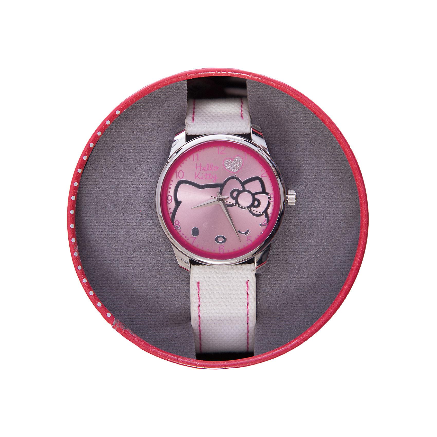 Часы наручные аналоговые, Hello KittyАксессуары<br>Эксклюзивные наручные аналоговые часы торговой марки Hello Kitty выполнены по индивидуальному дизайну ООО «Детское Время» и лицензии компании Sanrio. Обилие деталей - декоративных элементов (страз, мерцающих ремешков), надписей,  уникальных изображений - делают изделие тщательно продуманным творением мастеров. Часы имеют высококачественный японский кварцевый механизм и отличаются надежностью и точностью хода. Часы водоустойчивы и обладают достаточной герметичностью, чтобы спокойно перенести случайный и незначительный контакт с жидкостями (дождь, брызги), но они не предназначены для плавания или погружения в воду. Циферблат защищен от повреждений прочным минеральным стеклом. Корпус часов выполнен из стали,  задняя крышка из нержавеющей стали. Материал браслета: искусственная кожа. Единица товара упаковывается в стильную подарочную коробочку. Неповторимый стиль с изобилием насыщенных и в тоже время нежных гамм; надежность и прочность изделия позволяют говорить о нем только в превосходной степени!<br><br>Ширина мм: 55<br>Глубина мм: 10<br>Высота мм: 250<br>Вес г: 38<br>Возраст от месяцев: 36<br>Возраст до месяцев: 72<br>Пол: Женский<br>Возраст: Детский<br>SKU: 5529344