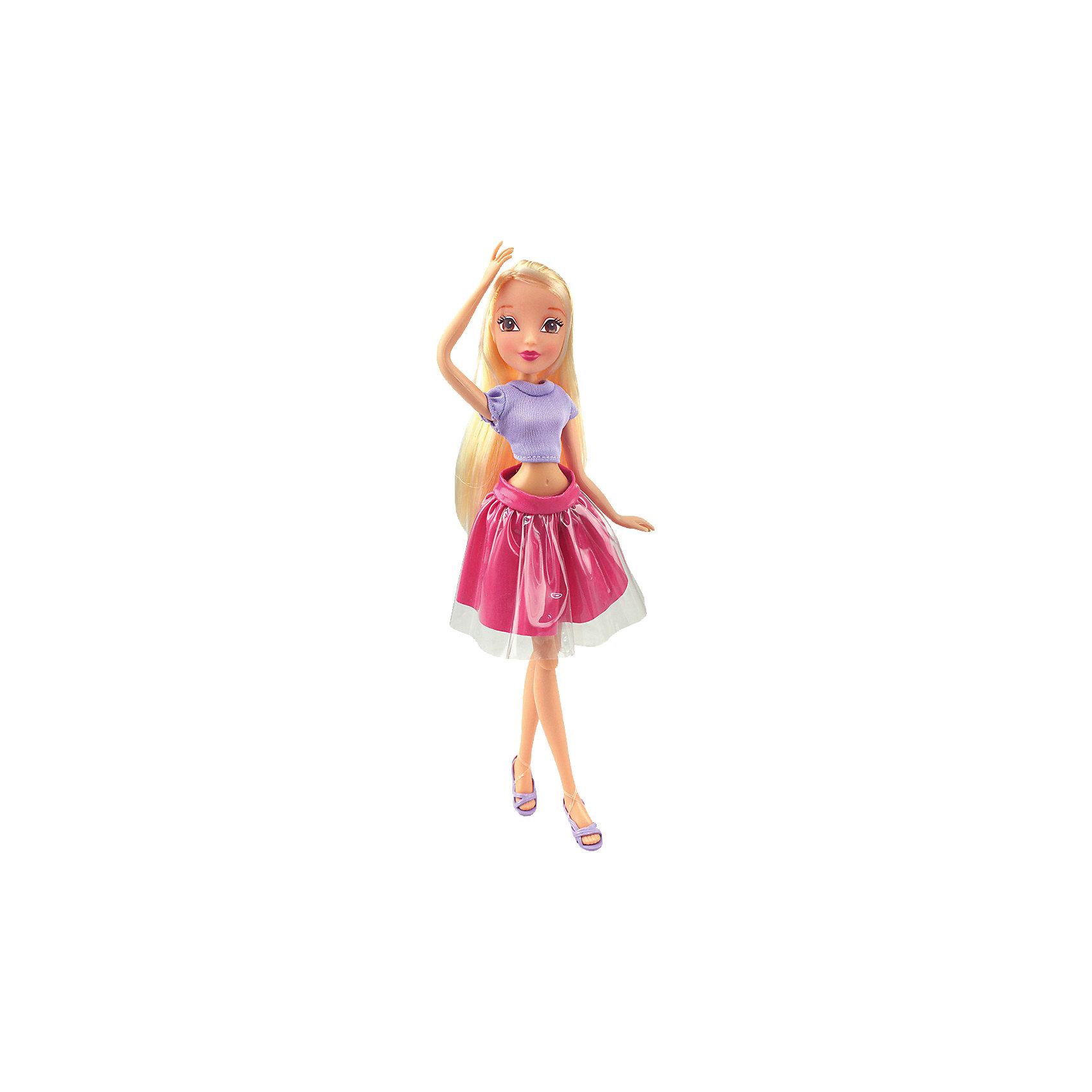 Кукла Стелла Городская магия-2, Winx ClubКуклы-модели<br>Характеристики товара:<br><br>• возраст: от 3 лет;<br>• материал: пластик, текстиль;<br>• в комплекте: кукла, наряд, крылья;<br>• высота куклы: 27 см;<br>• размер упаковки: 25х15х10 см;<br>• вес упаковки: 220 гр.;<br>• страна производитель: Китай.<br><br>Кукла Стелла «Городская магия-2» Winx Club создана по мотивам известного мультсериала «Клуб Винкс: Школа волшебниц» про очаровательных фей-волшебниц. Стелла — лучшая подруга главной героини Блум, с которой она любит смотреть комедии, устраивать вечеринки и ходить по магазинам. <br><br>У феи выразительные карие глаза и мягкие светлые волосы, которые можно расчесывать, заплетать и украшать. Одета Стелла в фиолетовый топ и розовую пышную юбку. У куклы несколько точек артикуляции. Руки сгибаются в локтях и плечах, ноги в бедрах и коленях. В комплекте крылышки для девочки на резинке, которые позволяет ей придумать себе волшебный образ на праздник или день рождение. <br><br>Куклу Стеллу «Городская магия-2» Winx Club можно приобрести в нашем интернет-магазине.<br><br>Ширина мм: 150<br>Глубина мм: 250<br>Высота мм: 100<br>Вес г: 25<br>Возраст от месяцев: 36<br>Возраст до месяцев: 2147483647<br>Пол: Женский<br>Возраст: Детский<br>SKU: 5532628