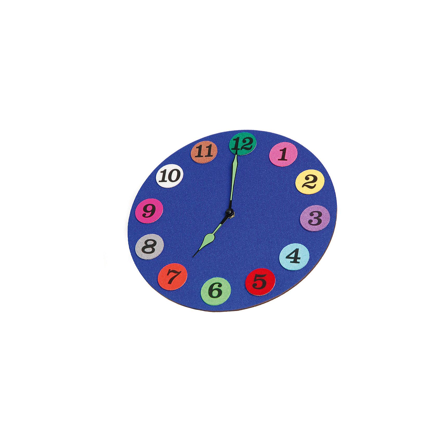 Стигисы Часы с мамойКниги для развития мышления<br>Часы с мамой – развивающая игра, c помощью которой ребенок научится:<br><br>- считать  до 12;<br>- прикрепляя цифры к циферблату, изучит их написание;<br>- с легкостью научится определять время с точностью до получаса, используя только часовую стрелку;<br>- по мере роста, добавив минутную стрелку, научится пользоваться настоящими часами;<br>- сможет  сказать который час и названия цветов не только по-русски, но и по-английски.<br>В набор входит:<br>часовой механизм – 1 шт.;<br>деревянный циферблат – 1 шт.;<br>кружочки с цифрами из плотной трехслойной ткани на липучках – 12 шт.;<br>часовая и минутная стрелки;<br>сборник методических рекомендаций по изучению времени на русском языке, а также обучению цифрам, цветам и времени на английском языке;<br>инструкция по сборке часов.<br><br>Ширина мм: 27<br>Глубина мм: 27<br>Высота мм: 4<br>Вес г: 270<br>Возраст от месяцев: 48<br>Возраст до месяцев: 84<br>Пол: Унисекс<br>Возраст: Детский<br>SKU: 5543121