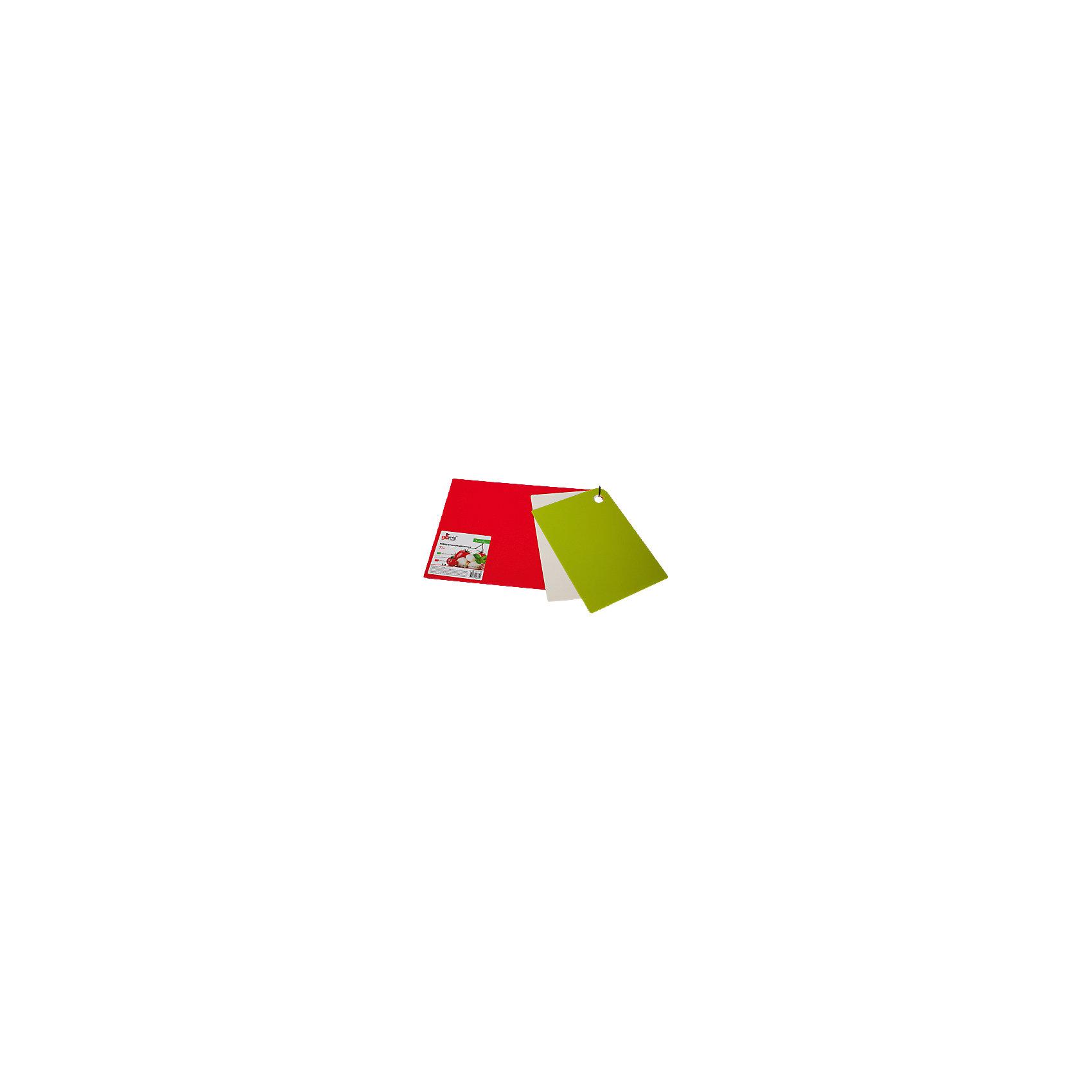 Набор досок разделочных Trio 25*17см (2 шт.) + 35*25 см (1 шт.), GiarettiПосуда<br>Маленькие и большие, под хлеб или сыр, овощи или мясо. Разделочных досок много не бывает. Giaretti предлагает новинку – гибкие доски. Преимущества: не скользит по поверхности стола - Вы можете резать продукты и не отвлекаться на мелочи; удобно использовать - на гибкой доске Вы сможете порезать продукты, согнув доску переложить их в блюдо и не рассыпать содержимое; легкие доски займут мало места на Вашей кухне; легко моются в посудомоечной машине; 2 оптимальных размера досок позволят Вам порезать небольшой кусок сыра или нашинковать много овощей. Вы можете купить доску как штучно, так и в наборе, и максимально эффективно организовать пространство на кухне. Набор Trio мы специально создали для разных типов продуктов, которые обозначены цветом. Очень удобно: мясо и свежую рыбу Вы режете на большой красной доске, овощи на зеленой, сыр/хлеб на доске цвета слоновая кость.<br><br>Ширина мм: 350<br>Глубина мм: 250<br>Высота мм: 6<br>Вес г: 358<br>Возраст от месяцев: 216<br>Возраст до месяцев: 1188<br>Пол: Унисекс<br>Возраст: Детский<br>SKU: 5545627