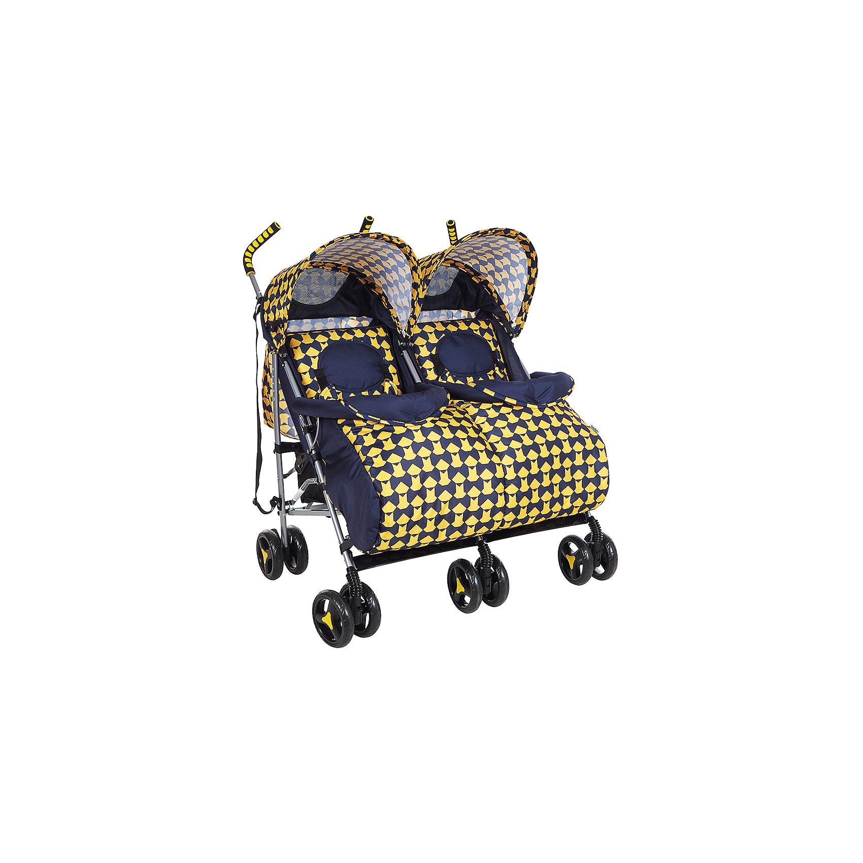 Коляска-трость для двойни Bambola , желтыйКоляски-трости<br>Характеристики коляски-трости Bambola для двойни:<br><br>• капюшоны, спинки, подножки в каждом из прогулочных блоков регулируются независимо друг от друга;<br>• прогулочные блоки расположены параллельно.<br><br>Прогулочный блок:<br><br>• спинка регулируется в нескольких положениях, угол наклона 170 градусов;<br>• регулируется подножка, 2 положения;<br>• страховочный бампер, мягкий разделитель для ножек;<br>• дополнительная секция на капюшоне, смотровое окошко, карман для мелочей;<br>• капюшон опускается до бампера;<br>• 3-х точечные ремни безопасности;<br>• 2 матрасика и 2 чехла входят в комплект.<br><br>Шасси коляски:<br><br>• сдвоенные колеса: передние поворотные, задние с тормозом;<br>• диаметр колес: 15,5 см;<br>• дополнительная пластиковая гибкая подножка для подросшего малыша;<br>• механизм складывания: трость;<br>• материал: алюминий, пластик, полиэстер.<br><br>Размер коляски: 77x85x104 см<br>Размер коляски в сложенном виде: 32х27х106 см<br>Вес коляски: 12 кг<br>Вес упаковки: 12,83 кг<br><br>Коляску-трость для двойни, Bambola, желтый цвет можно купить в нашем интернет-магазине.<br><br>Ширина мм: 320<br>Глубина мм: 270<br>Высота мм: 1060<br>Вес г: 12830<br>Возраст от месяцев: 6<br>Возраст до месяцев: 36<br>Пол: Унисекс<br>Возраст: Детский<br>SKU: 5559169
