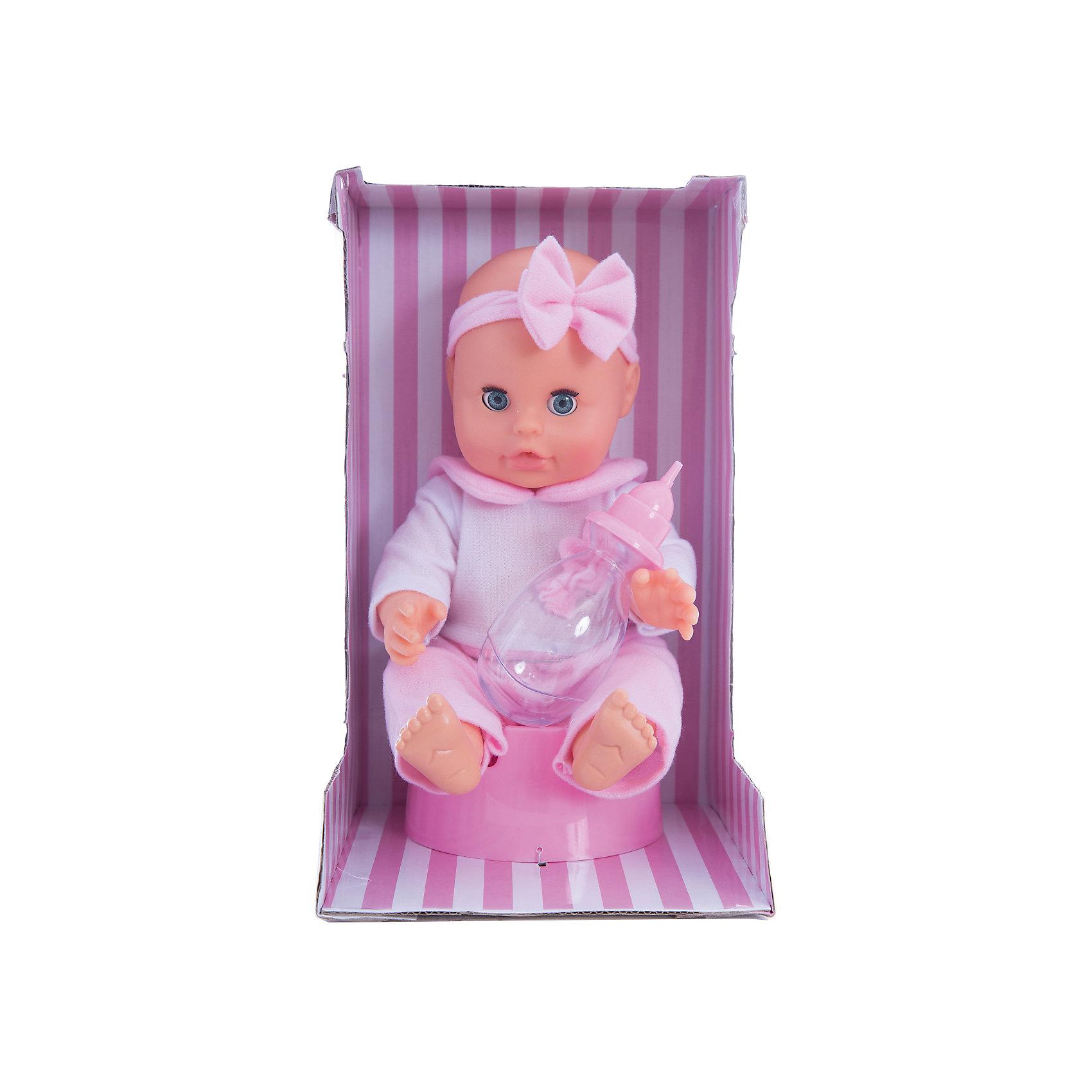 Кукла Bambolina, пьет и писает, с горшочком и бутылочкой, 33 см, DIMIANИнтерактивные куклы<br>Кукла Bambolina, пьет и писает, с горшочком и бутылочкой, 33 см, DIMIAN (Димиан)<br><br>Характеристики:<br><br>• реалистично пьет и писает<br>• в комплекте: кукла, бутылочка, горшок<br>• размер куклы: 33 см<br>• материал: пластик, ПВХ, текстиль<br>• размер упаковки: 28х16,5х17 см<br>• вес: 458 грамм<br><br>Прелестная кукла Bambolina - отличный подарок для маленькой принцессы. Строение куклы очень напоминает настоящего малыша. А ее выразительные глазки и пухлые щечки умиляют даже взрослых. Кукла одета в светлый комбинезон с широким воротничком розового цвета. Голову куклы украшает прелестная повязка с бантом. Bambolina похожа на малыша не только внешне. Кукла очень реалистично пьет из бутылочки и писает в свой горшок. С куклой Bambolina девочка научится проявлять заботу к младшим и почувствует себя настоящей заботливой мамочкой.<br><br>Куклу Bambolina, пьет и писает, с горшочком и бутылочкой, 33 см, DIMIAN (Димиан) можно купить в нашем интернет-магазине.<br><br>Ширина мм: 170<br>Глубина мм: 165<br>Высота мм: 280<br>Вес г: 458<br>Возраст от месяцев: 36<br>Возраст до месяцев: 2147483647<br>Пол: Женский<br>Возраст: Детский<br>SKU: 5571406