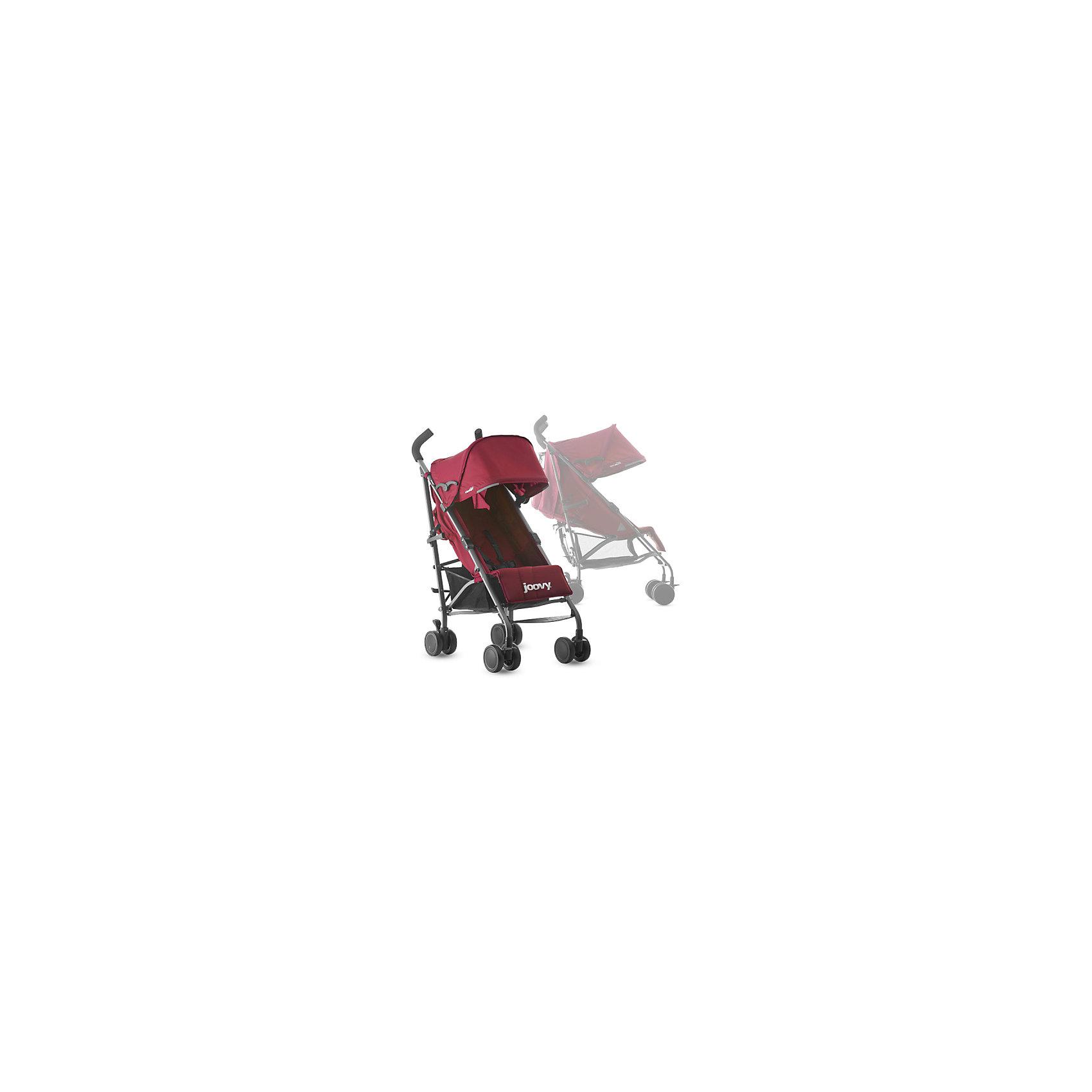 Коляска-трость Groove Ultralight, красный, JoovyКоляски-трости<br>Характеристики товара:<br><br>• возраст от 3 месяцев;<br>• регулируемый наклон спинки до положения в 170 градусов;<br>• большой капюшон для защиты от непогоды;<br>• смотровое окошко на капюшоне;<br>• сетчатые кармашки с внутренней стороны сидения;<br>• на задней части сетчатый отсек для бутылочки и карман на молнии;<br>• регулируемая подножка;<br>• длина спального места 81 см;<br>• 5-ти точечные ремни безопасности;<br>• светоотражающие элементы для безопасности в темное время суток;<br>• материал: полиэстер с водоотталкивающей пропиткой.<br><br>Коляска-трость Joovy Groove Ultralight красная — легкая и маневренная коляска, которая отлично подойдет для прогулок по городу, парку, походов в торговый центр, поездок на природу и путешествий. Большой капюшон надежно защитит от дождя и солнца. Для родителей предусмотрены удобные отделения для вещей: кармашек на молнии и сетчатый отсек на задней части капюшона. Для малыша с внутренней стороны сидения имеются кармашки для бутылочки или любимых игрушек. Складывается коляска одной рукой, что позволяет легко и быстро сложить ее, даже держа в другой руке малыша. В сложенном виде переносится при помощи удобного плечевого ремешка.<br><br>Шасси коляски:<br><br>• облегченная алюминиевая рама;<br>• тип складывания: трость;<br>• складывание одной рукой;<br>• все колеса сдвоенные, передние поворотные с блокировкой;<br>• диаметр колес 12 см;<br>• тип колес: полиуретановые;<br>• ширина колесной базы 50 см;<br>• стояночный тормоз-педаль;<br>• амортизаторы на передних колесах;<br>• вместительная сетчатая корзина для покупок;<br>• максимальная нагрузка на корзину 5 кг.<br><br>Размер коляски в разложенном виде 104х85х50 см<br>Размер коляски в сложенном виде 102х33х32 см<br>Вес коляски 6,3 кг<br>Размер упаковки 102х33х32 см<br>Вес упаковки 6,3 кг<br><br>Комплектация:<br><br>• прогулочный блок;<br>• ремень для переноски;<br>• инструкция.<br><br>Коляску-трость Joovy Groove Ultrali