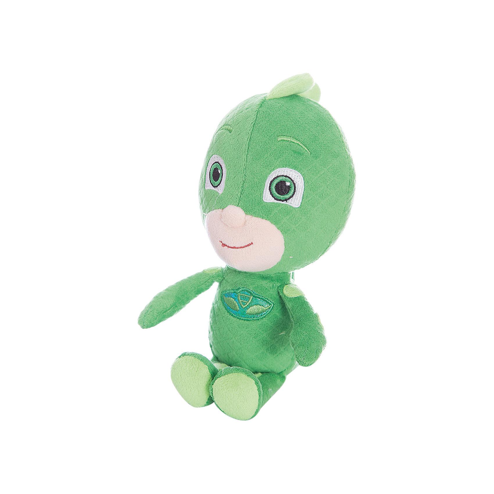 Мягкая игрушка Гекко, Герои в масках,  20 см.Мягкие игрушки из мультфильмов<br>Мягкая игрушка Гекко - персонаж мультфильма Герои в масках - с удовольствием составит вашему малышу компанию в веселых играх, помогая ему развивать фантазию, речь, тактильное и цветовое восприятие и многое другое. А чтобы игры были еще интереснее, вы можете приобрести других героев мультфильма: Алетт, Кэтбоя и Ромео.&#13;<br>Мягкая игрушка Гекко ТМ Герои в масках высотой 20 см сшита из качественных текстильных материалов, декорирована вышивкой, снизу наполнена шариками антистресс для устойчивости. Товар сертифицирован.<br><br>Ширина мм: 80<br>Глубина мм: 70<br>Высота мм: 200<br>Вес г: 97<br>Возраст от месяцев: 36<br>Возраст до месяцев: 2147483647<br>Пол: Унисекс<br>Возраст: Детский<br>SKU: 5577970
