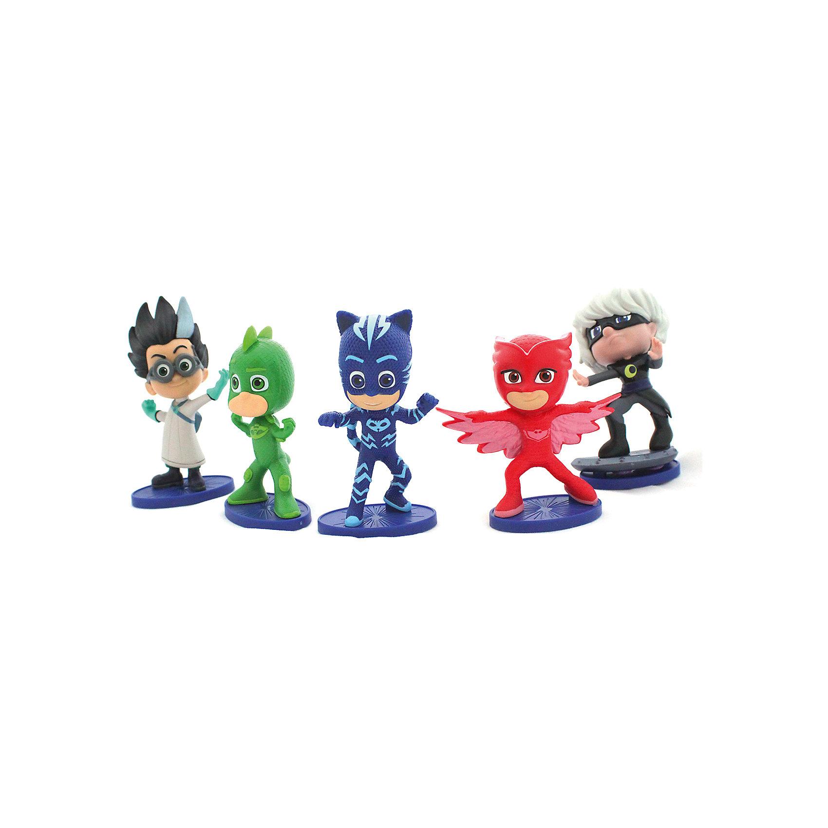 Игровой набор Герои в Масках, 5 фигурок, 8 см.Коллекционные и игровые фигурки<br>Юные поклонники мультфильма Герои в масках будут счастливы, когда получат в подарок набор из 5-ти фигурок любимых персонажей. Играя с ними, дети будут весело проводить время, развивая воображение, речь и навыки общения.&#13;<br>В наборе Герои в масках 5 фигурок высотой 8 см с подвижными ручками и ножками. Игрушки выполнены из качественного пластика. Товар сертифицирован. Упаковка - блистер.<br><br>Ширина мм: 305<br>Глубина мм: 150<br>Высота мм: 80<br>Вес г: 321<br>Возраст от месяцев: 36<br>Возраст до месяцев: 2147483647<br>Пол: Унисекс<br>Возраст: Детский<br>SKU: 5577974