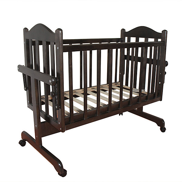 Кроватка-колыбель, Мой Малыш, венгеКолыбели-люльки для новорожденных<br>Характеристики товара:<br><br>• возраст: с рождения;<br>• материал: дерево;<br>• размер спального места: 90х45 см;<br>• размер упаковки: 124х60х16,5 см;<br>• вес упаковки: 12 кг;<br>• страна производитель: Россия.<br><br>Кроватка-колыбель Мой Малыш венге — удобная колыбелька для малыша с рождения. Маятник поперечного качания позволяет укачивать новорожденного малыша. У механизма имеется фиксатор для предотвращения раскачивания. 4 колеса облегчают перемещение по комнате. Кровать изготовлена из натурального дерева — массива березы, хорошо отшлифована и не имеет острых углов. <br><br>Кроватку-колыбель Мой Малыш венге можно приобрести в нашем интернет-магазине.<br>Ширина мм: 1235; Глубина мм: 600; Высота мм: 170; Вес г: 12000; Возраст от месяцев: 0; Возраст до месяцев: 36; Пол: Унисекс; Возраст: Детский; SKU: 5582071;