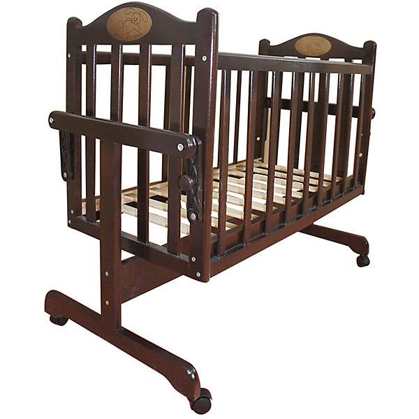 Кроватка-колыбель, Мой Малыш, темныйКолыбели-люльки для новорожденных<br>Характеристики товара:<br><br>• возраст: с рождения;<br>• материал: дерево;<br>• размер спального места: 90х45 см;<br>• размер упаковки: 124х60х16,5 см;<br>• вес упаковки: 12 кг;<br>• страна производитель: Россия.<br><br>Кроватка-колыбель Мой Малыш темная — удобная колыбелька для малыша с рождения. Маятник поперечного качания позволяет укачивать новорожденного малыша. У механизма имеется фиксатор для предотвращения раскачивания. 4 колеса облегчают перемещение по комнате. Кровать изготовлена из натурального дерева — массива березы, хорошо отшлифована и не имеет острых углов. <br><br>Кроватку-колыбель Мой Малыш темная можно приобрести в нашем интернет-магазине.<br><br>Ширина мм: 1235<br>Глубина мм: 600<br>Высота мм: 170<br>Вес г: 12000<br>Возраст от месяцев: 0<br>Возраст до месяцев: 36<br>Пол: Унисекс<br>Возраст: Детский<br>SKU: 5582075