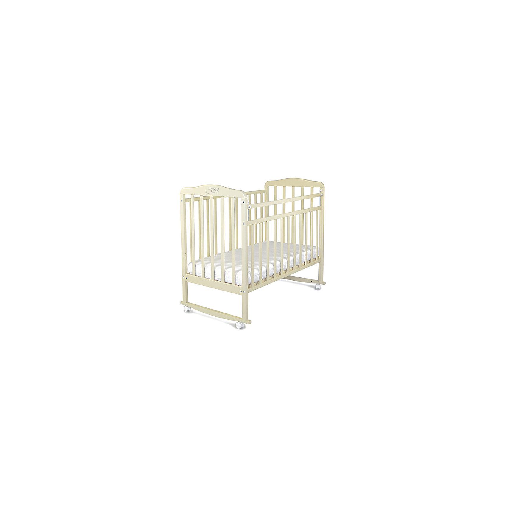 Кроватка Mario Cammello, Sweet Baby, бежевыйКроватки<br>Характеристики товара:<br><br>• цвет: бежевый<br>• материал: дерево<br>• полозья для качания<br>• колесики<br>• размер спального места: 120х60 см<br>• 2 уровня ложа<br>• размер (ШхДхВ): 72х125х109 см<br><br>Кроватку Sweet Baby Mario с комплектацией колёсо/качалка можно использовать в одном из 2-х вариантов – на качалке или прикрутить колёсики.<br><br>Округлые формы деталей не позволят Вашему малышу удариться, а передняя стенка особенно надежна и долговечна благодаря тому, что подвижна только верхняя планка.<br><br>Два уровня ложа позволяют менять глубину кроватки по мере роста малыша, опускаемая планка поможет без труда дотянуться до малыша в кроватке.<br><br>Расстояние между рейками не дает возможность ребенку застрять между ними во время сна.<br><br>Детская кровать Sweet Baby Mario изготовлена из древесины березы, прочного и долговечного материала. <br><br>Кроватки для новорожденных SweetBaby обрабатываются нетоксичными лаками и красками, абсолютно безвредными для ребенка.<br><br>Кроватку Mario Cammello, Sweet Baby можно купить в нашем интернет-магазине.<br><br>Ширина мм: 720<br>Глубина мм: 150<br>Высота мм: 1240<br>Вес г: 18000<br>Возраст от месяцев: 0<br>Возраст до месяцев: 36<br>Пол: Унисекс<br>Возраст: Детский<br>SKU: 5583557