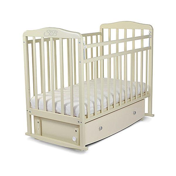 Кроватка Sweet Baby Luciano Cammello, бежевыйДетские кроватки<br>Характеристики товара:<br><br>• цвет: бежевый<br>• с поперечным маятником<br>• фиксатор покоя<br>• материал: дерево<br>• полозья для качания<br>• размер спального места: 120х60 см<br>• 2 уровня ложа<br>• ящик для хранения<br><br>Итальянский бренд Sweet Baby позаботился о комфортном сне вашего малыша благодаря плавному механизму качания поперечного маятника . <br>Кроватка оснащена специальными фиксаторами, которые приводят маятник в состояние покоя.<br><br>Два уровня ложа позволяют менять глубину кроватки по мере роста малыша, опускаемая планка поможет без труда дотянуться до малыша в кроватке.Расстояние между рейками не дает возможность ребенку застрять между ними во время сна.<br><br>Модель Sweet Baby Luciano оснащена большим закрытым ящиком, расположенным под днищем, который вместит в себя сменный комплект постельного белья, запасное одеяльце или стратегический запас подгузников, значительно экономя место в детском шкафу.<br><br>Детская кровать Sweet Baby Luciano изготовлена из древесины березы, прочного и долговечного материала. <br>Кроватки для новорожденных SweetBaby обрабатываются нетоксичными лаками и красками, абсолютно безвредными для ребенка.<br><br>Кроватку Luciano Cammello, Sweet Baby можно купить в нашем интернет-магазине.<br>Ширина мм: 720; Глубина мм: 200; Высота мм: 1240; Вес г: 31400; Возраст от месяцев: 0; Возраст до месяцев: 36; Пол: Унисекс; Возраст: Детский; SKU: 5583563;