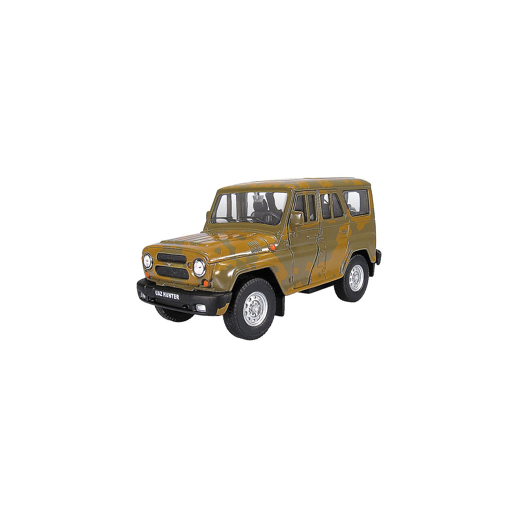 Машинка UAZ Hunter спецназ 1:36, AutotimeМашинки<br>Машинка UAZ Hunter спецназ 1:36, Autotime (Автотайм).<br><br>Характеристики:<br><br>• Масштаб 1:36<br>• Длина машинки: 11,5 см.<br>• Цвет: хаки, камуфляж<br>• Материал: металл, пластик<br>• Упаковка: картонная коробка блистерного типа<br>• Размер упаковки: 16,5x5,7x7,2 см.<br><br>Машинка UAZ Hunter спецназ от Autotime (Автотайм) является уменьшенной копией настоящего автомобиля. Модель отличается высокой степенью детализации. Корпус машинки металлический с пластиковыми элементами. Автомобиль очень реалистично раскрашен. Передние двери открываются, что позволяет рассмотреть салон изнутри в деталях. Машинка оснащена инерционным механизмом. Машинка UAZ Hunter спецназ, выпущенная в русской серии бренда Autotime (Автотайм), станет хорошим подарком и ребенку, и коллекционеру моделей автомобилей.<br><br>Машинку UAZ Hunter спецназ 1:36, Autotime (Автотайм) можно купить в нашем интернет-магазине.<br><br>Ширина мм: 165<br>Глубина мм: 57<br>Высота мм: 75<br>Вес г: 13<br>Возраст от месяцев: 36<br>Возраст до месяцев: 2147483647<br>Пол: Мужской<br>Возраст: Детский<br>SKU: 5583869