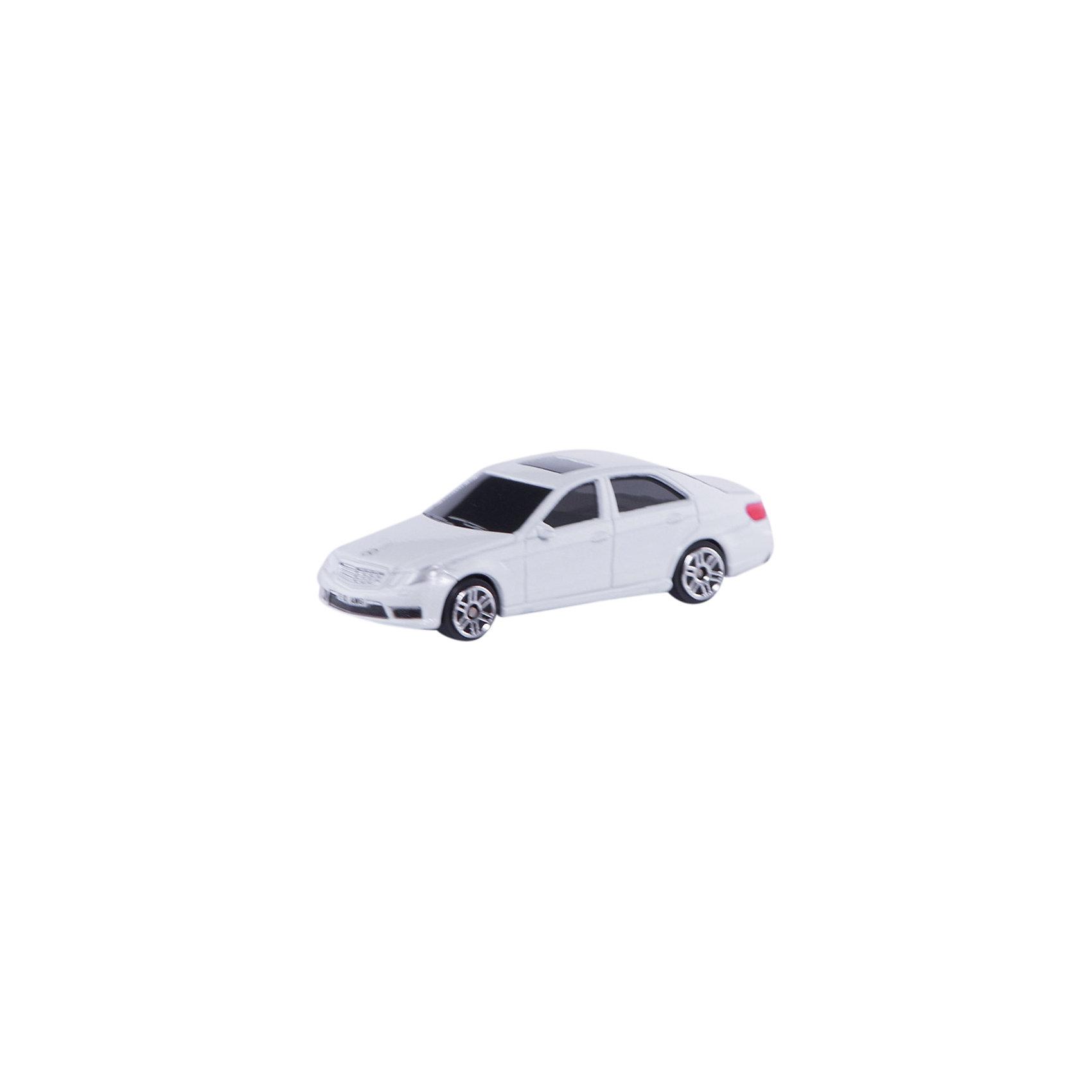 Машинка Mercedes-Benz E63 AMG Jeans 3, AutotimeМашинки<br>Характеристики товара:<br><br>• цвет: в ассортименте<br>• возраст: от 3 лет<br>• материал: металл, пластик<br>• масштаб: 1:64<br>• колеса вращаются<br>• размер упаковки: 9х4х4 см<br>• вес с упаковкой: 100 г<br>• страна бренда: Россия, Китай<br>• страна изготовитель: Китай<br><br>Эта отлично детализированная машинка является коллекционной моделью. Это - миниатюрная копия реально существующей модели.<br><br>Сделана машинка из прочного и безопасного материала. Модель с вращающимися колесами.<br><br>Машинку «Mercedes-Benz E63 AMG» Jeans 3, Autotime (Автотайм) можно купить в нашем интернет-магазине.<br><br>Ширина мм: 90<br>Глубина мм: 42<br>Высота мм: 40<br>Вес г: 14<br>Возраст от месяцев: 36<br>Возраст до месяцев: 2147483647<br>Пол: Мужской<br>Возраст: Детский<br>SKU: 5584067