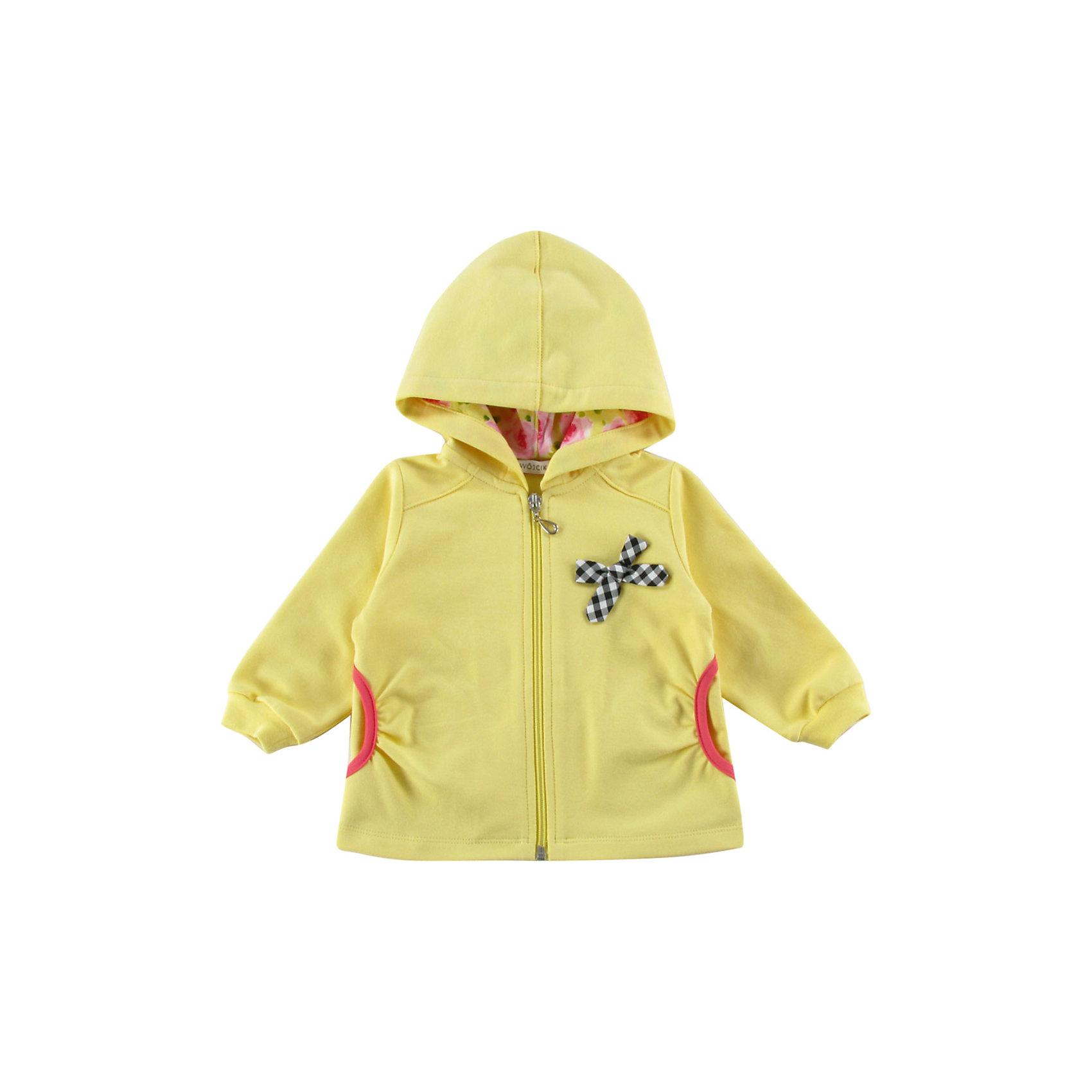 Толстовка для девочки WojcikТолстовки<br>Характеристики товара:<br><br>• цвет: желтый<br>• состав ткани: хлопок, эластан<br>• длинные рукава<br>• капюшон<br>• застежка: молния<br>• сезон: круглый год<br>• страна бренда: Польша<br>• страна изготовитель: Польша<br><br>Польская одежда для детей от бренда Войчик - это качественные и стильные вещи. Желтая толстовка для девочки Войчик отличается модным кроем и актуальным в этом сезоне цветом. <br><br>Эта модель одежды для детей сделана из качественного материала с преобладание дышащего натурального хлопка в составе. Толстовка дополнена удобным капюшоном.<br><br>Толстовку для девочки Wojcik (Войчик) можно купить в нашем интернет-магазине.<br><br>Ширина мм: 190<br>Глубина мм: 74<br>Высота мм: 229<br>Вес г: 236<br>Цвет: желтый<br>Возраст от месяцев: 3<br>Возраст до месяцев: 6<br>Пол: Женский<br>Возраст: Детский<br>Размер: 68<br>SKU: 5588308