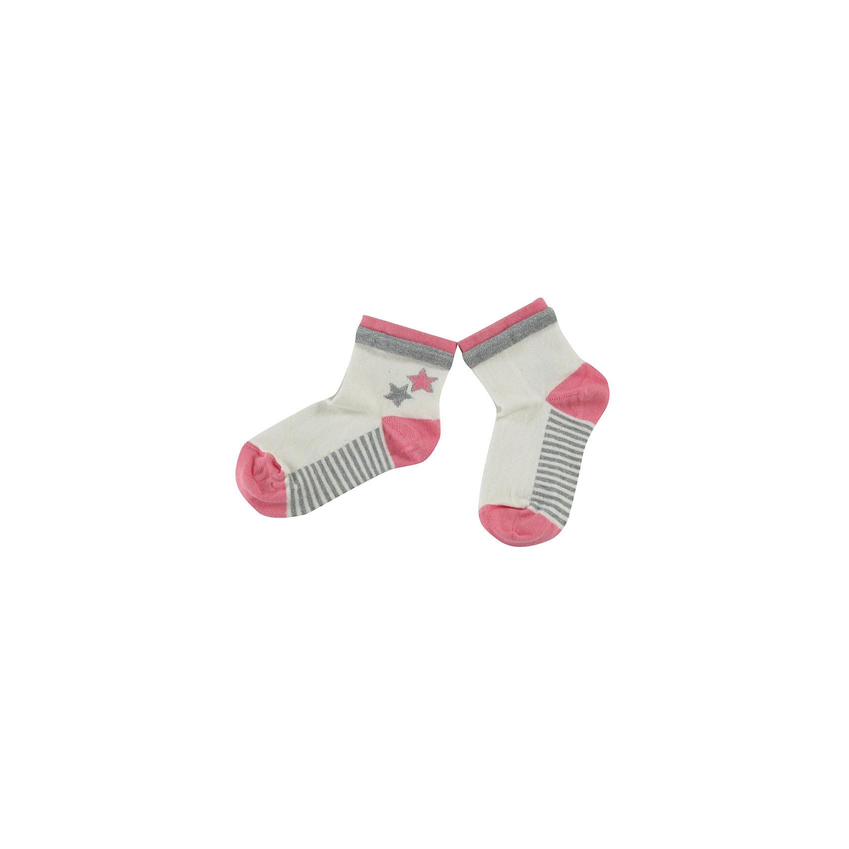 Носки для девочки WojcikНоски<br>Характеристики товара:<br><br>• цвет: белый<br>• состав ткани: хлопок 92%, полиамид 6%, эластан 2%<br>• сезон: круглый год<br>• страна бренда: Польша<br>• страна изготовитель: Польша<br><br>Удобные детские носки не давят на ногу благодаря мягкой резинке. Польская одежда для детей от бренда Войчик - это качественные и стильные вещи.<br><br>Разноцветные носки для девочки Wojcik сделаны преимущественно из натурального хлопка. Он позволяет коже дышать и обеспечивает комфорт. <br><br>Носки для девочки Wojcik (Войчик) можно купить в нашем интернет-магазине.<br><br>Ширина мм: 87<br>Глубина мм: 10<br>Высота мм: 105<br>Вес г: 115<br>Цвет: кремовый<br>Возраст от месяцев: 3<br>Возраст до месяцев: 6<br>Пол: Женский<br>Возраст: Детский<br>Размер: 17/18,21/22,19/20<br>SKU: 5588642