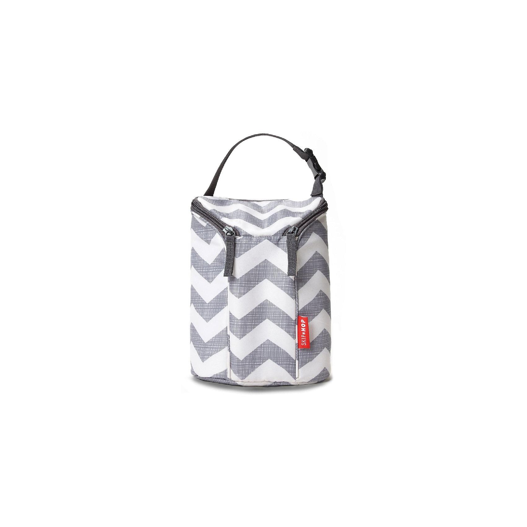 Термо-сумка для бутылочек, Skip HopТермосумки и термосы<br>Характеристики товара:<br><br>• материал: текстиль;<br>• в комплекте: сумка, охлаждающий пакет;<br>• 2 молнии обеспечивают лёгкий и быстрый доступ к бутылочкам<br>• крепление к коляске<br>• вмещает 2 большие бутылочки<br>• регулируемый ремешок<br>• размер сумки 23х17х9 см;<br>• размер упаковки 28х17х9 см;<br>• вес упаковки 140 гр.;<br>• страна производитель: Китай.<br><br>Термосумка для бутылочек Skip Hop — необходимый для молодой мамы аксессуар, который позволит взять на прогулку с малышом бутылочки для кормления и сохранить их теплыми или холодными. Благодаря специальной термо-подкладке внутри сохраняется тепло или холод. Регулируемый ремешок позволяет переносить сумку в руках или вешать на коляску или велосипед. Застегивается сумка на молнию. Изготовлена из износостойкого качественного материала. <br><br>Термосумку для бутылочек Skip Hop можно приобрести в нашем интернет-магазине.<br><br>Ширина мм: 170<br>Глубина мм: 90<br>Высота мм: 280<br>Вес г: 428<br>Возраст от месяцев: 36<br>Возраст до месяцев: 72<br>Пол: Унисекс<br>Возраст: Детский<br>SKU: 5608231